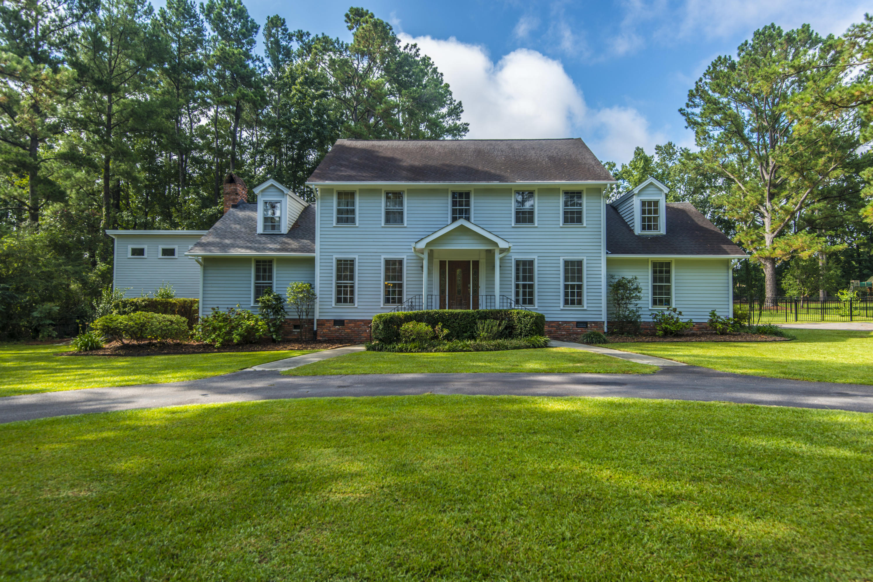 407 Huntington Road Summerville, SC 29483