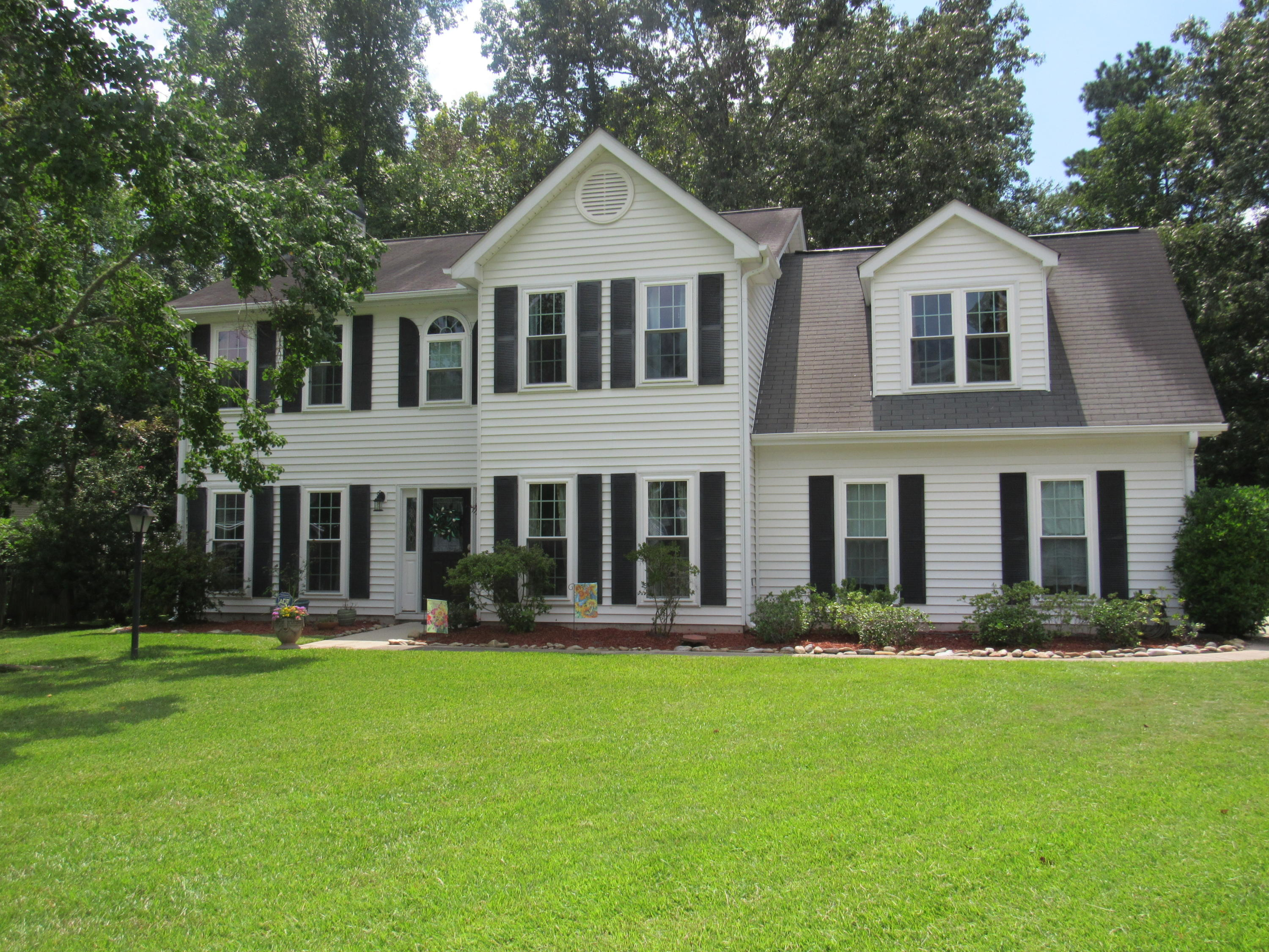 5421 Vernon Place North Charleston, SC 29418