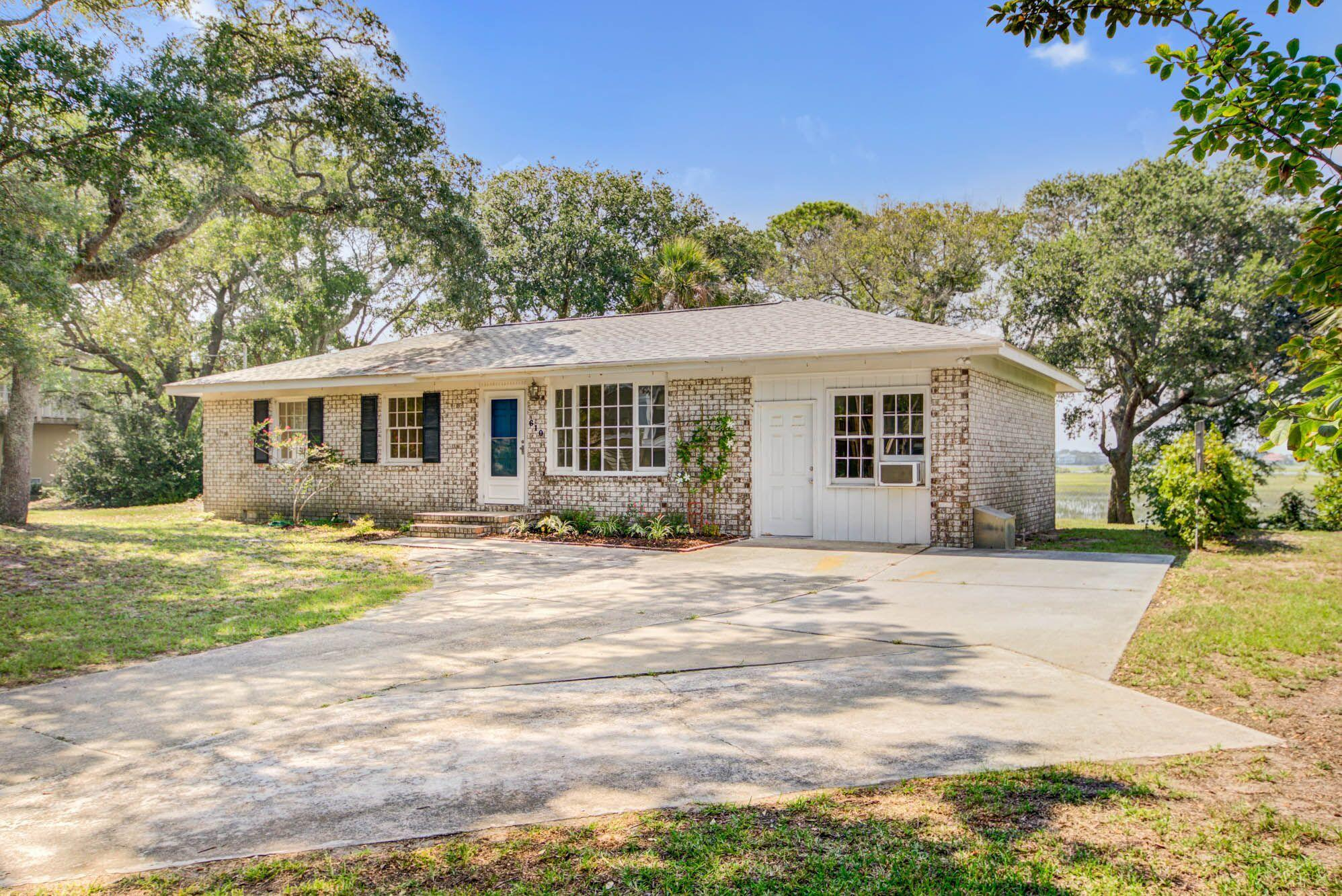 610 E Erie Avenue Folly Beach, SC 29439