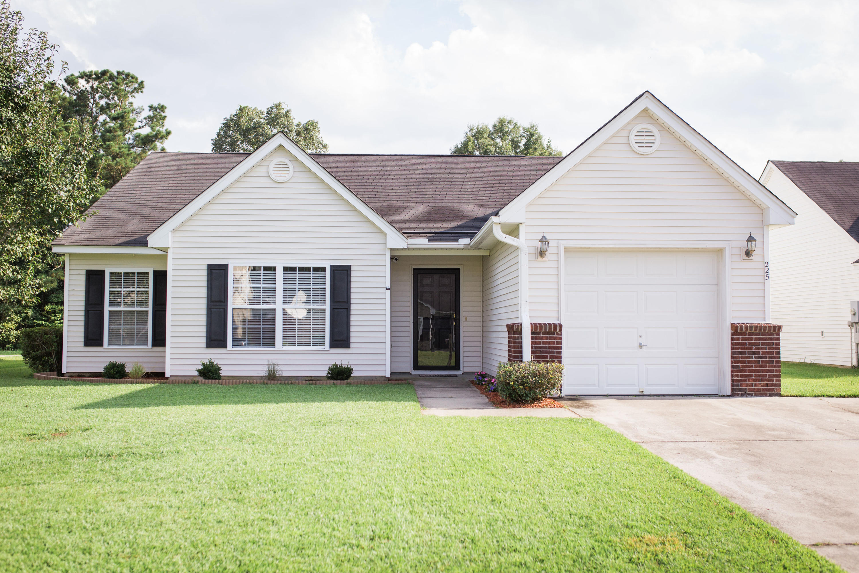 225 Border Road Goose Creek, SC 29445