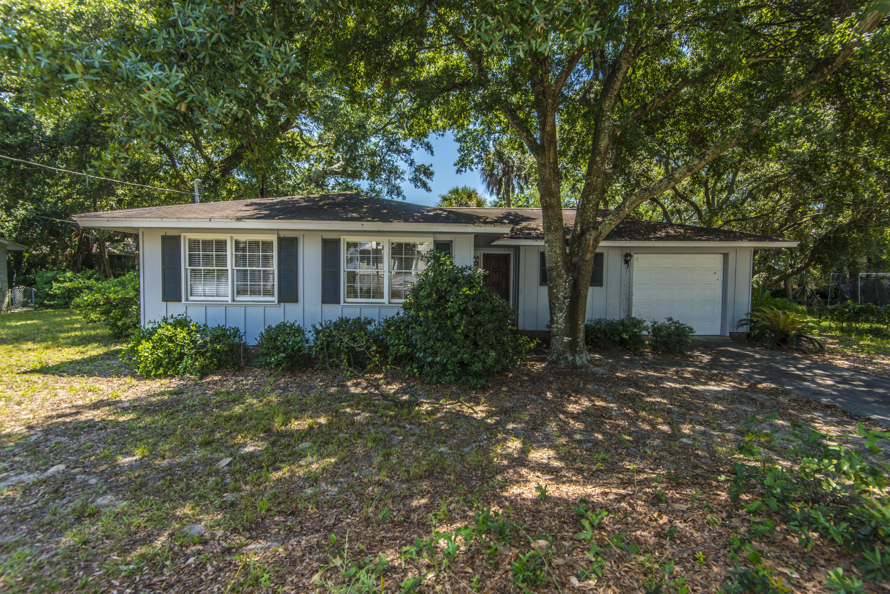2902 Waterway Boulevard Isle Of Palms, SC 29451