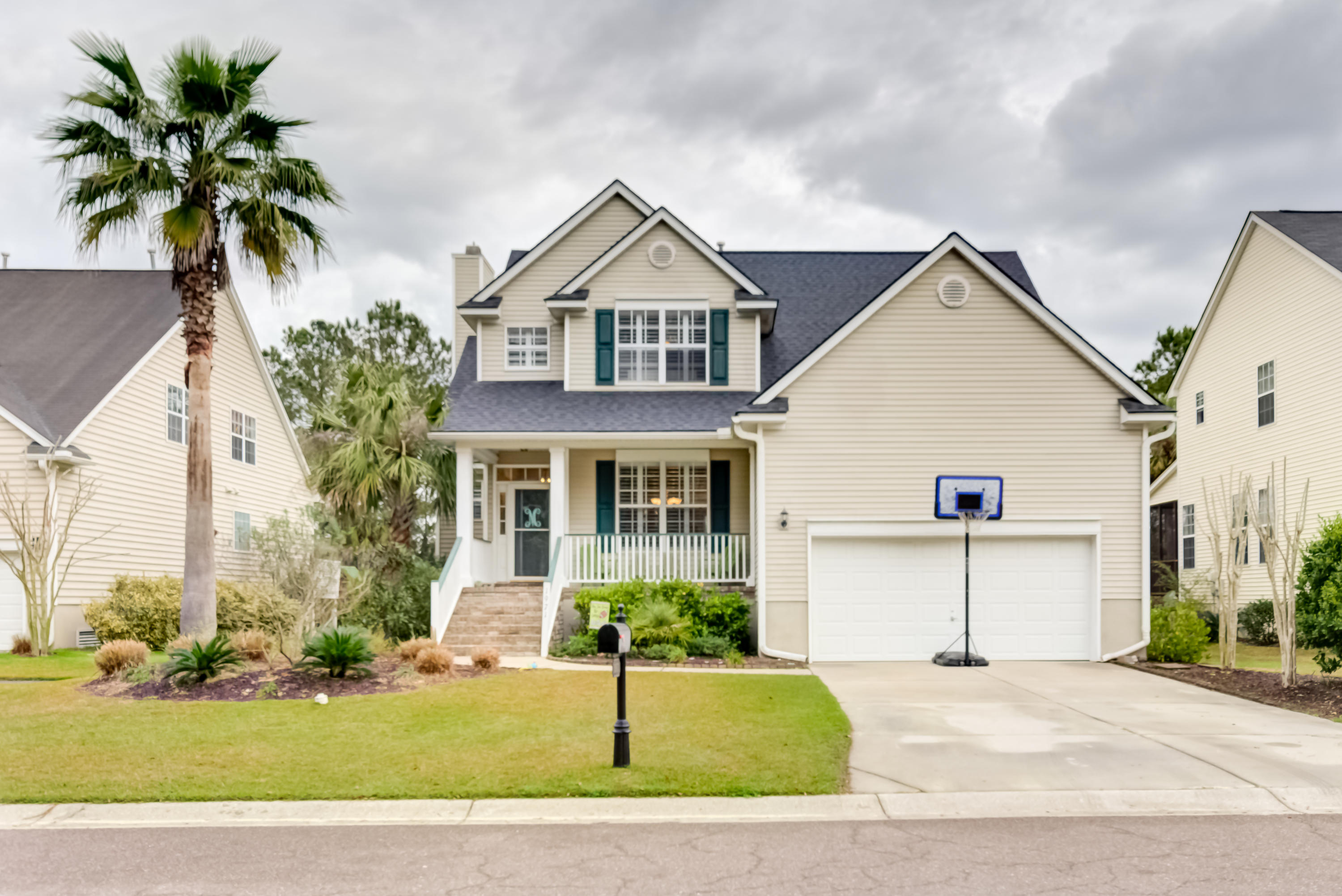1971 Palmetto Isle Drive Mount Pleasant, SC 29466