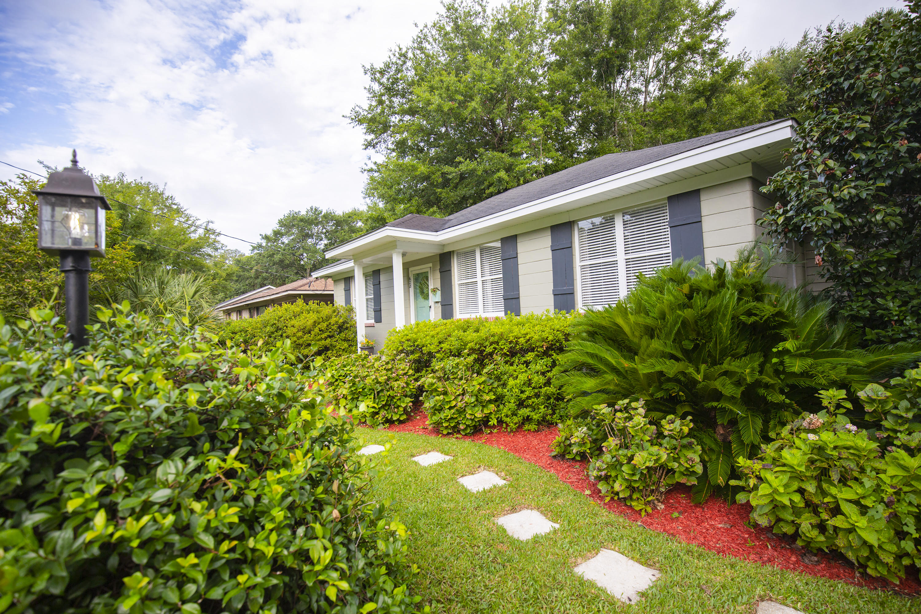 628 Palmetto Street Mount Pleasant, SC 29464