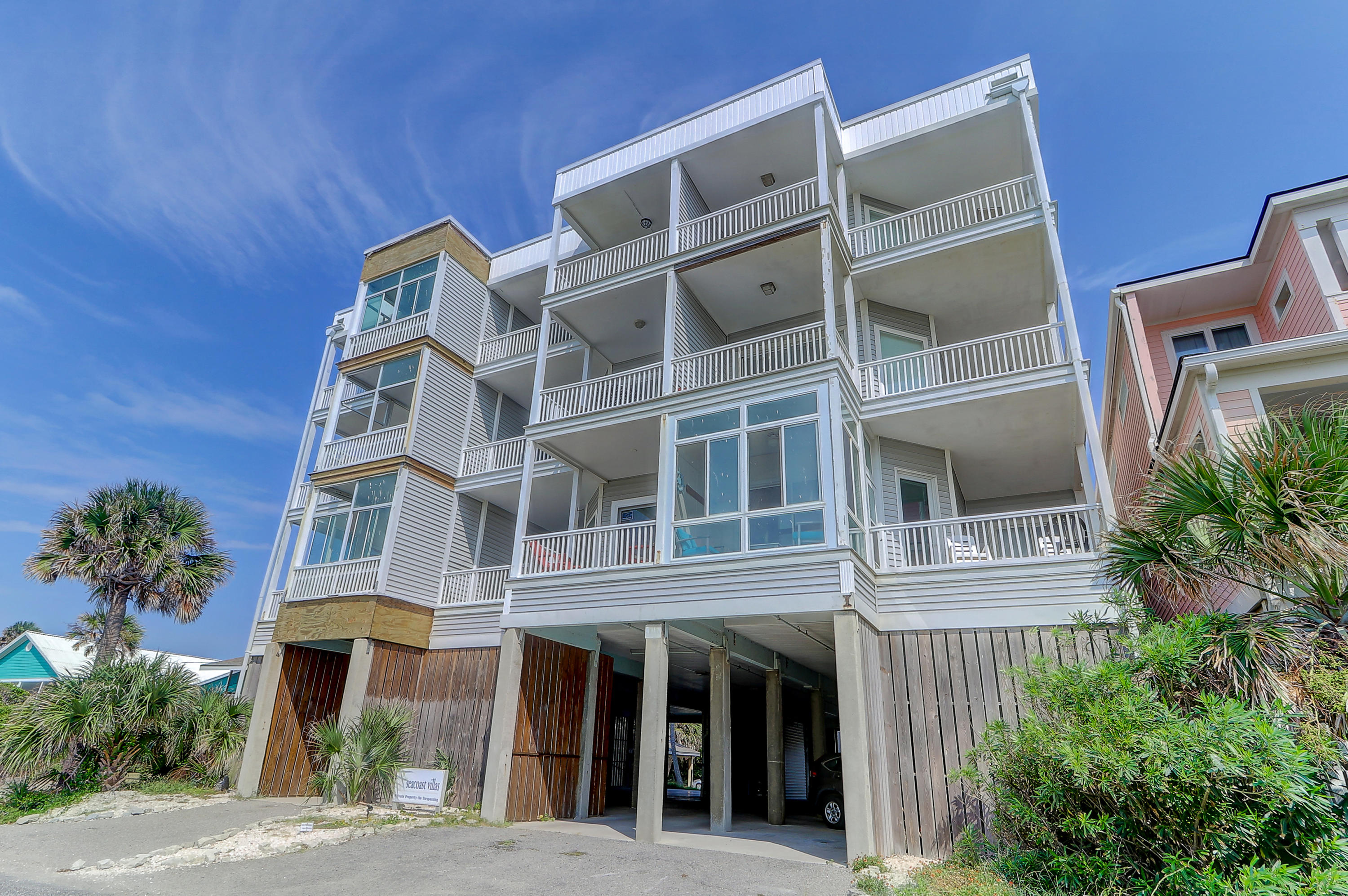 216 W Arctic Avenue Folly Beach, SC 29439