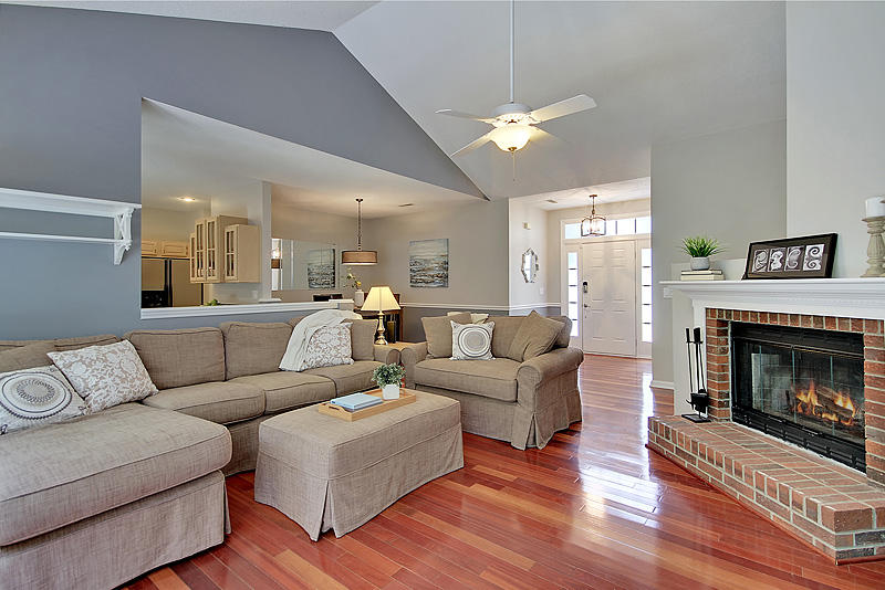 2050 Country Manor Drive Mount Pleasant, SC 29466