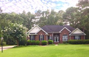 LOVELY ALL BRICK RANCH SITUATED ON .8 AC. IN THE ESTATE SECTION OF STONO FERRY.