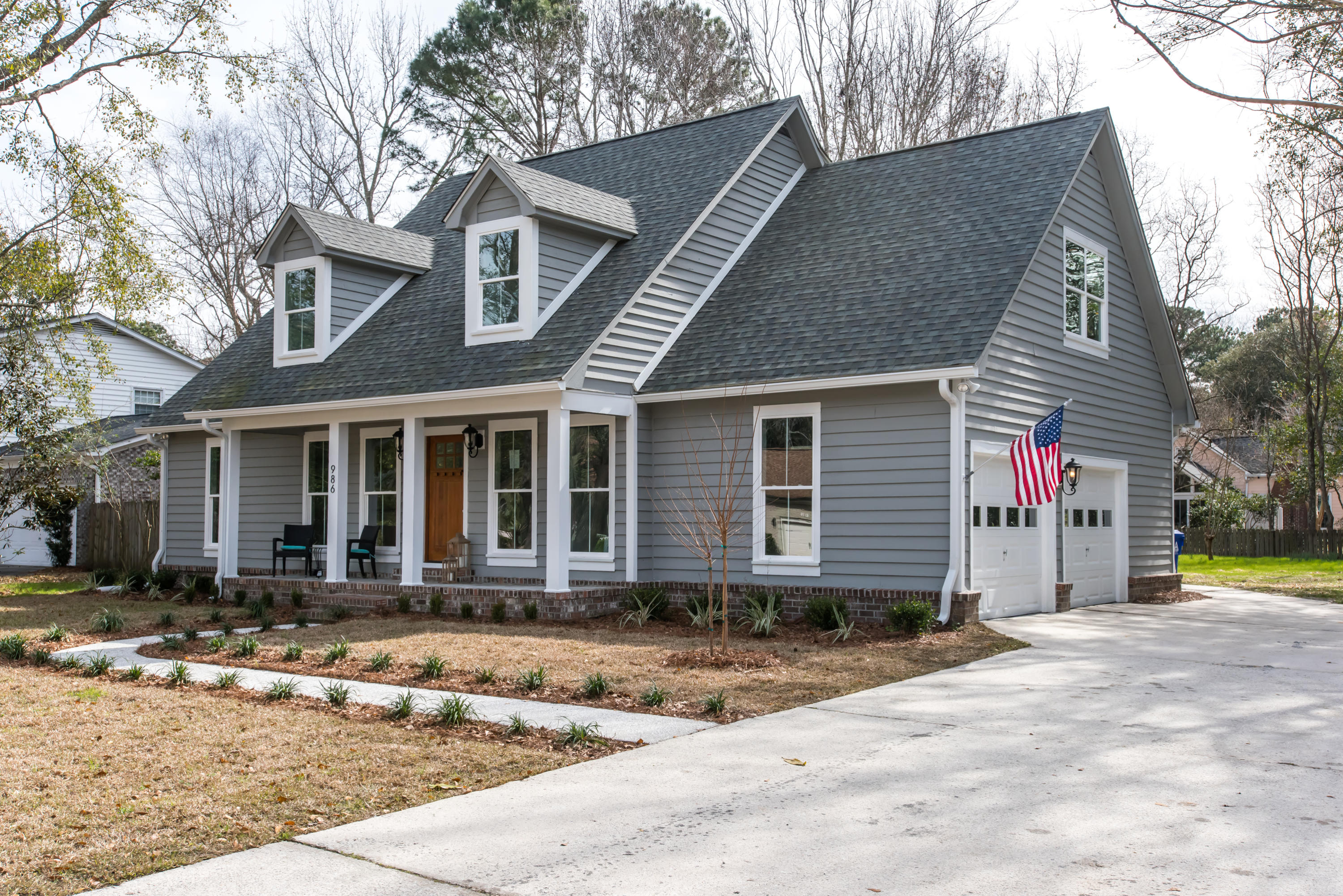 986 Colonial Drive Mount Pleasant, SC 29464