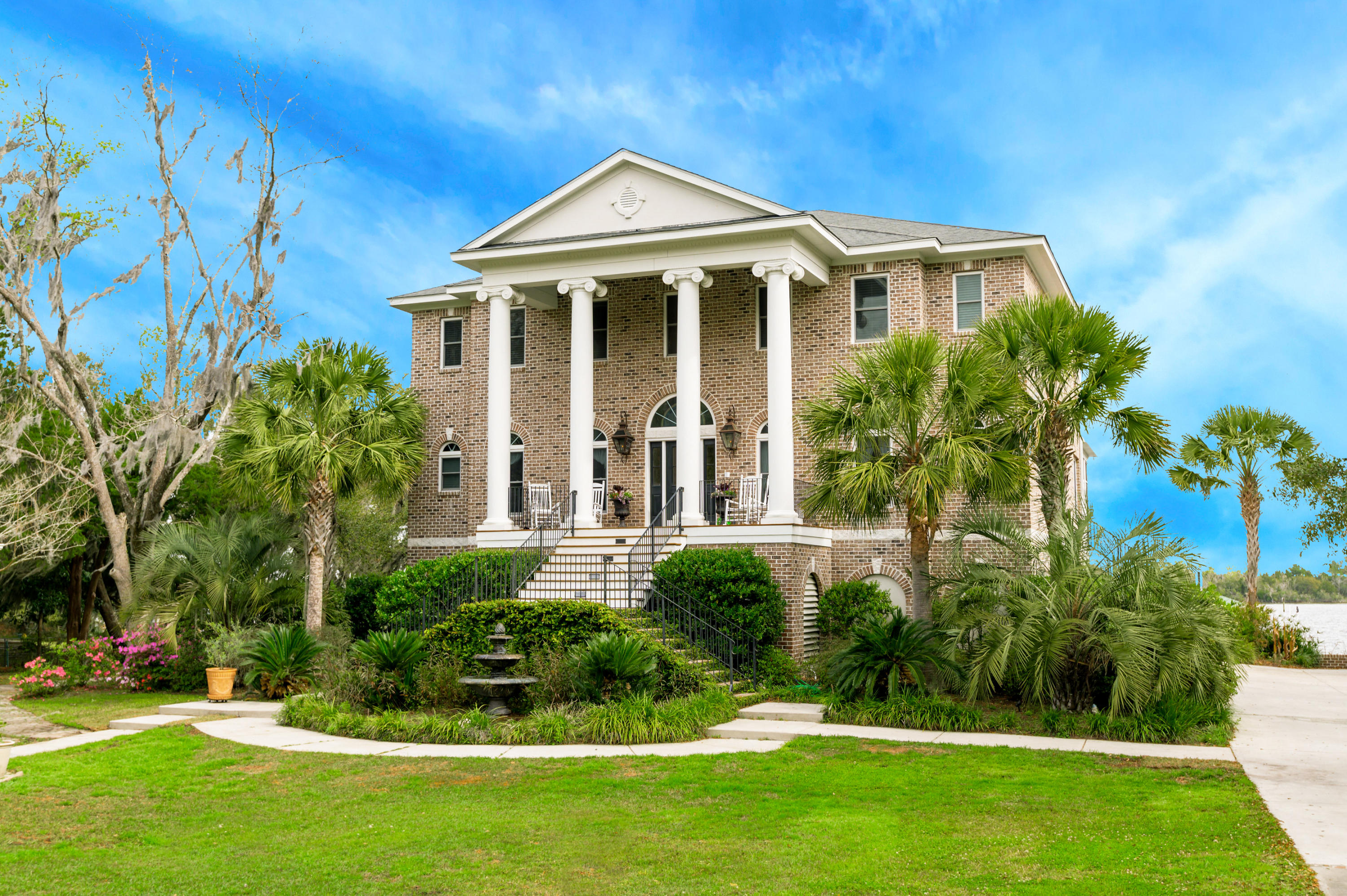 1017 River Road Johns Island, SC 29455