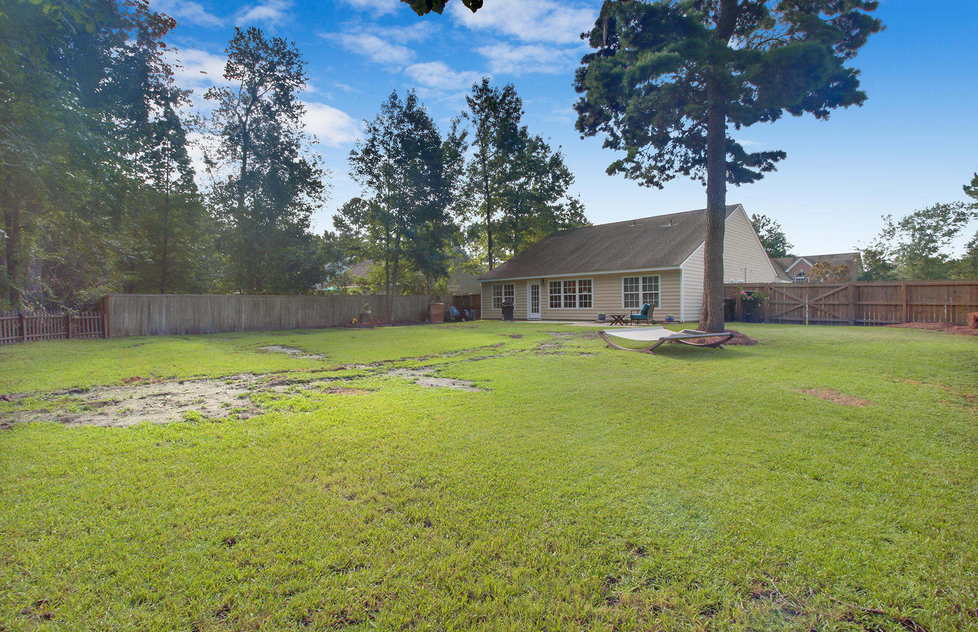 138 Thousand Oaks Circle Goose Creek, Sc 29445