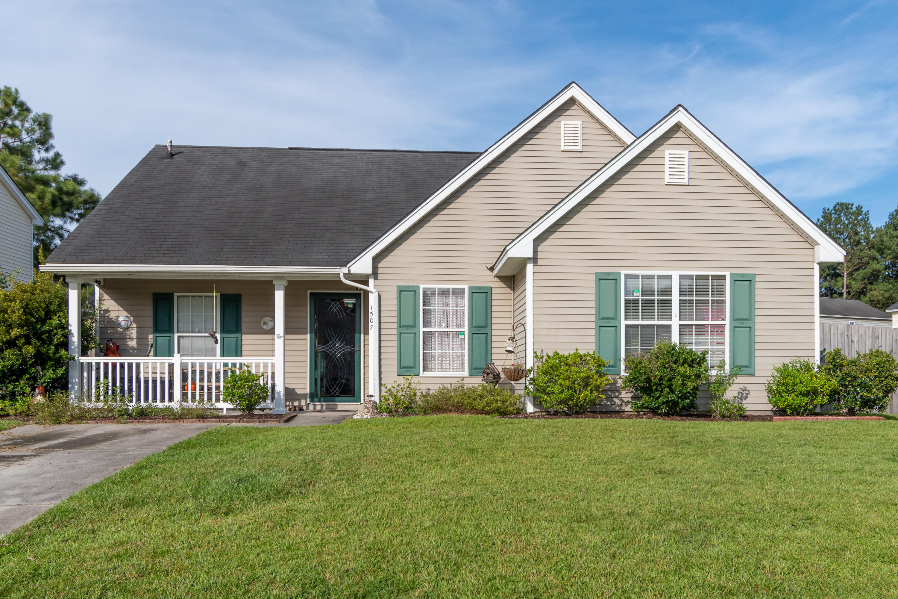1507 Pinethicket Drive Summerville, SC 29483