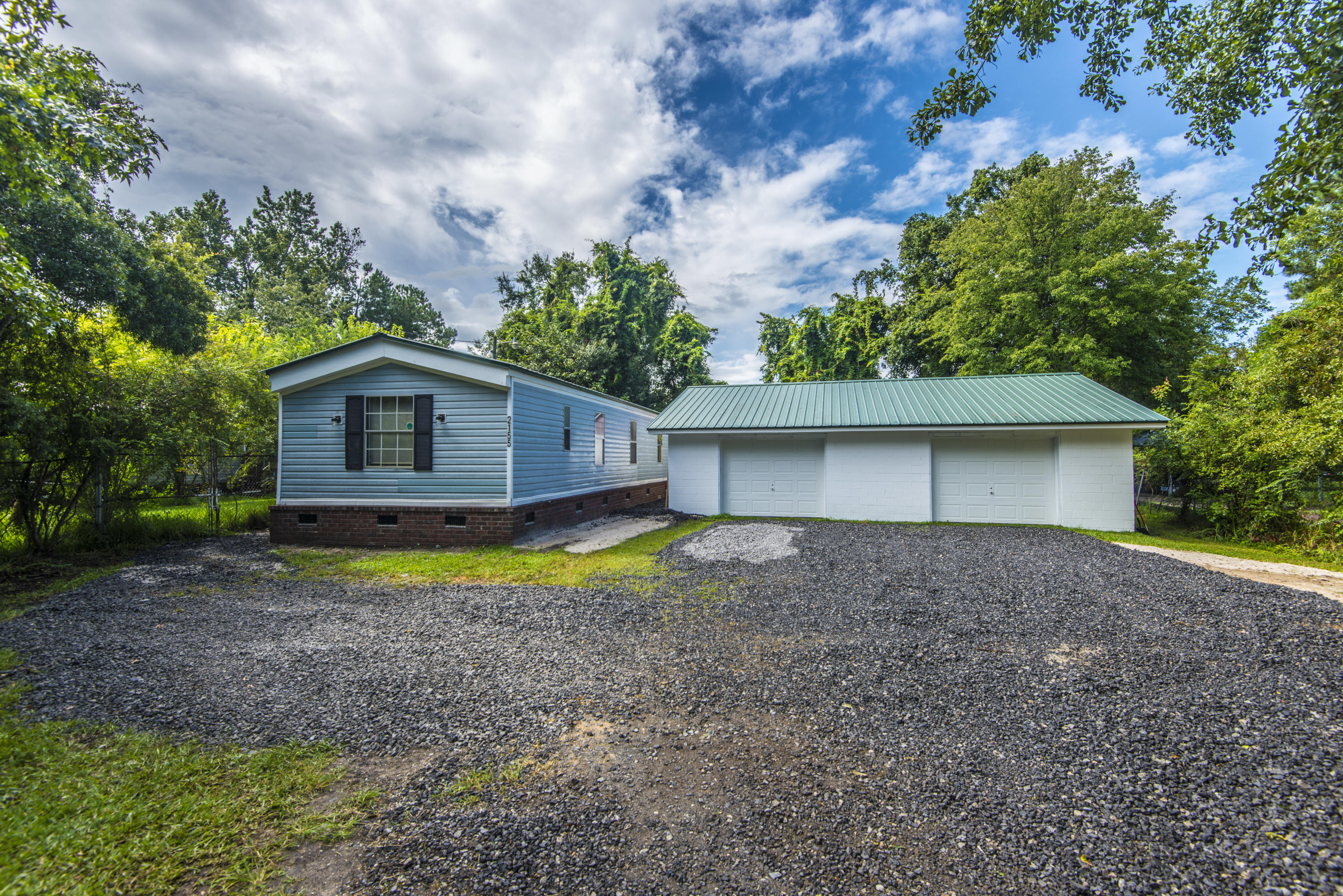 2155 Poinsettia Avenue Summerville, SC 29486