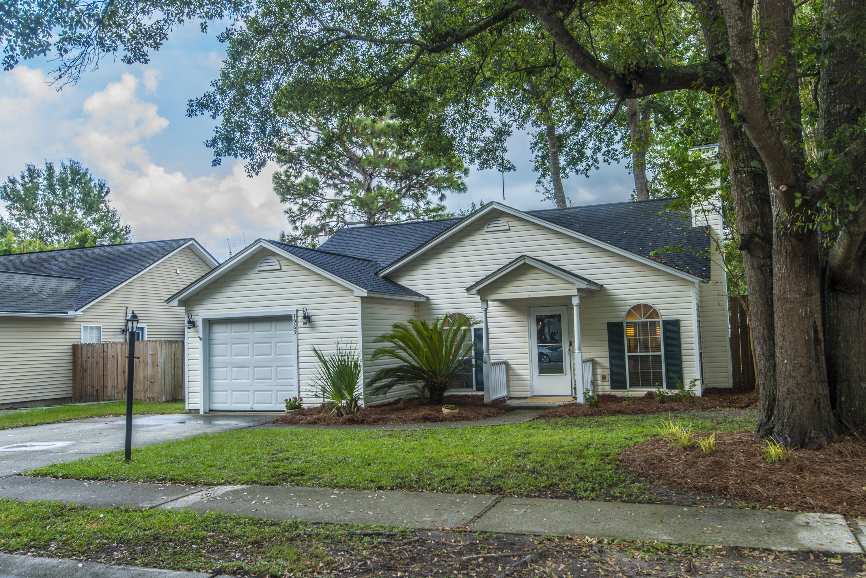 1983 Armory Drive Mount Pleasant, Sc 29466