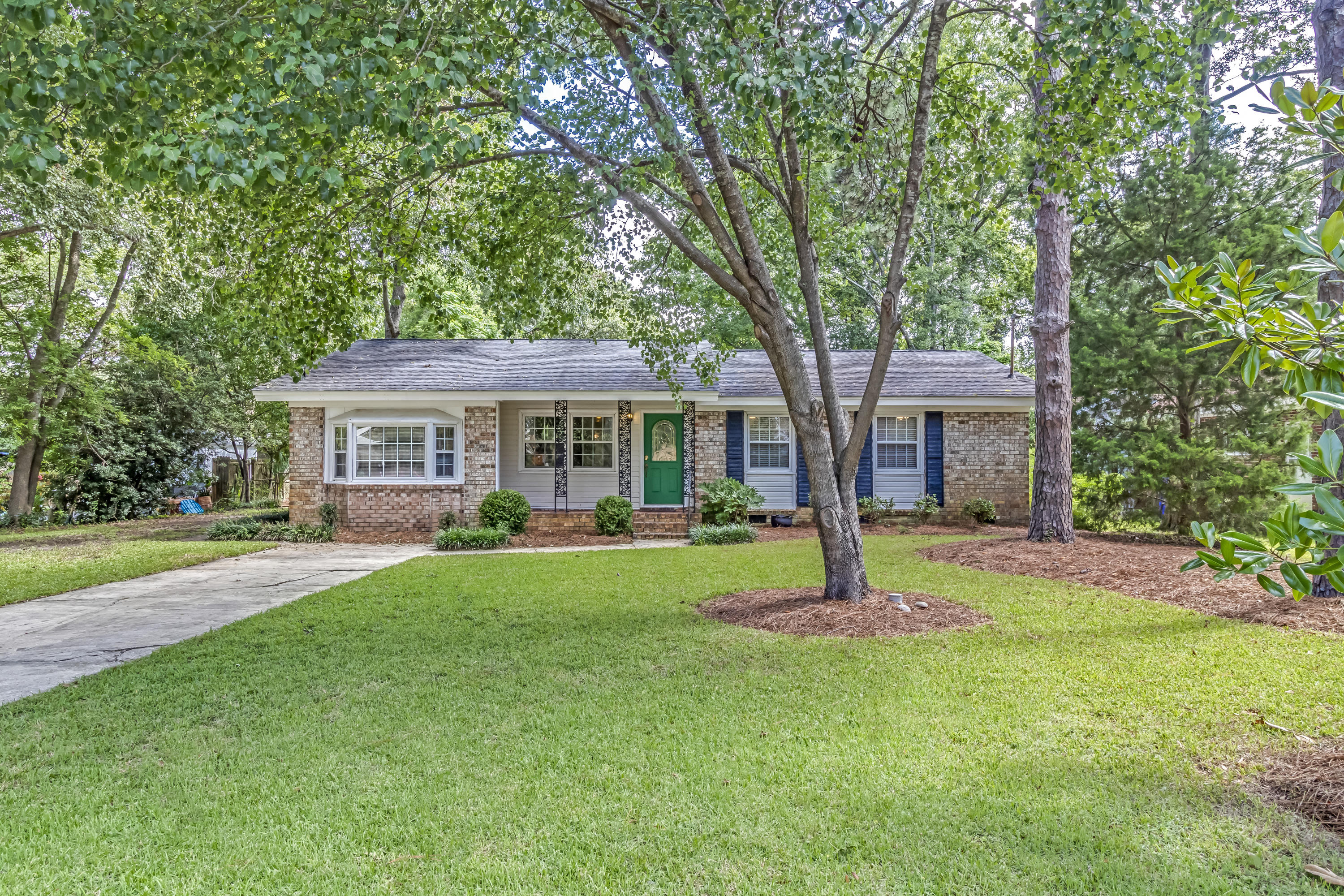 1464 Simmons Street Mount Pleasant, SC 29464