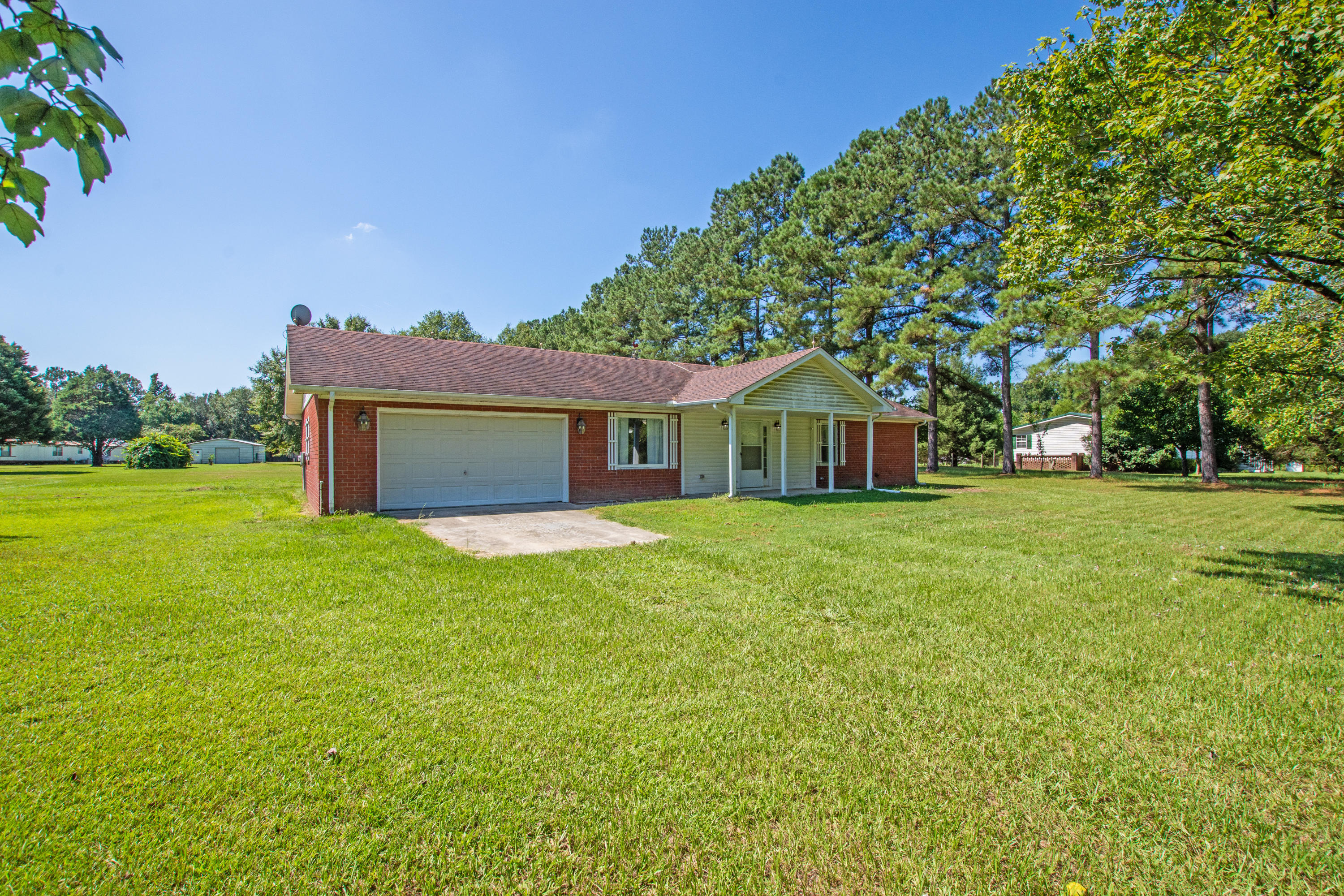 834 Van Dyke Road Cottageville, SC 29435