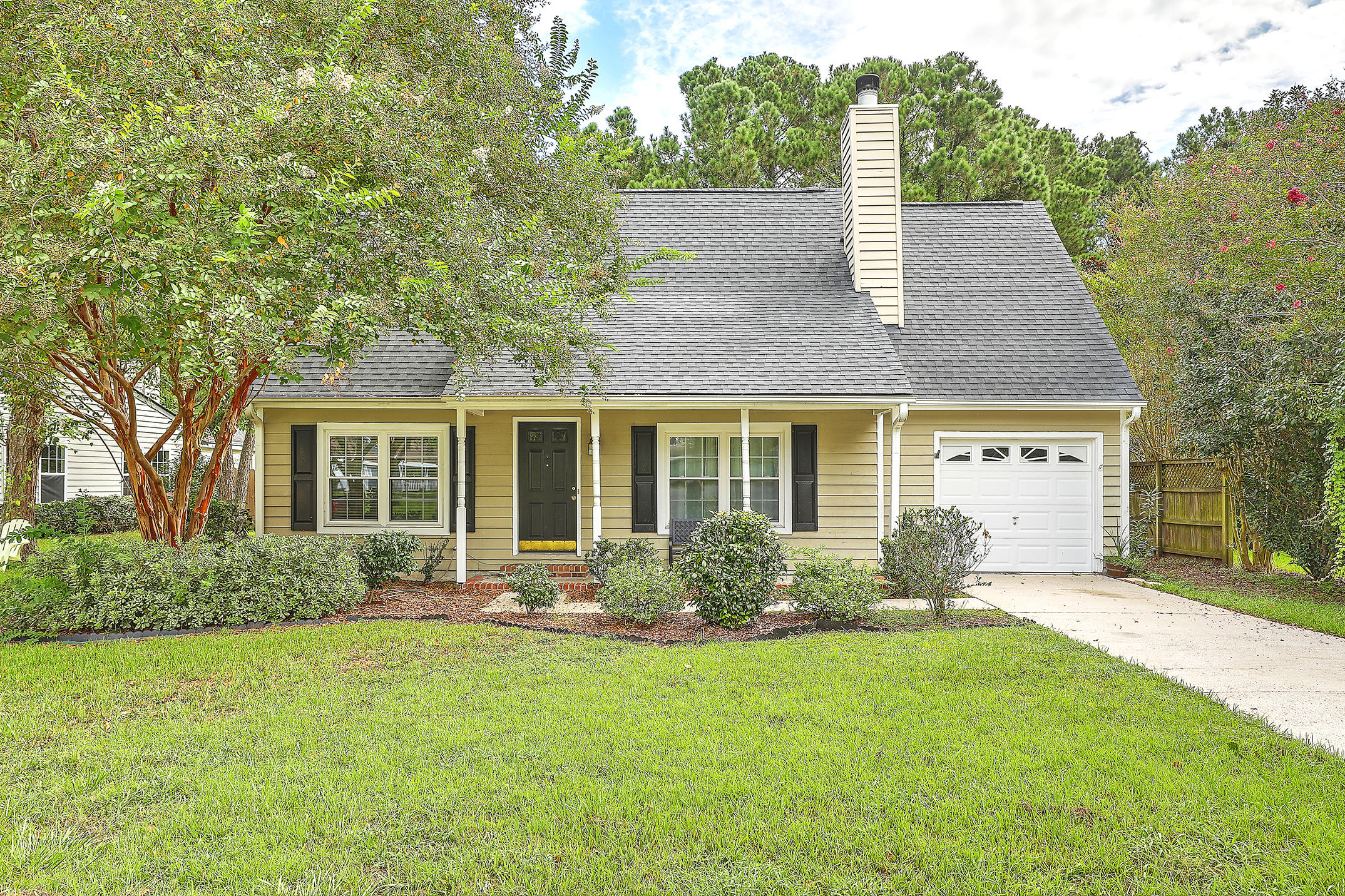 556 Castle Hall Road Mount Pleasant, Sc 29464