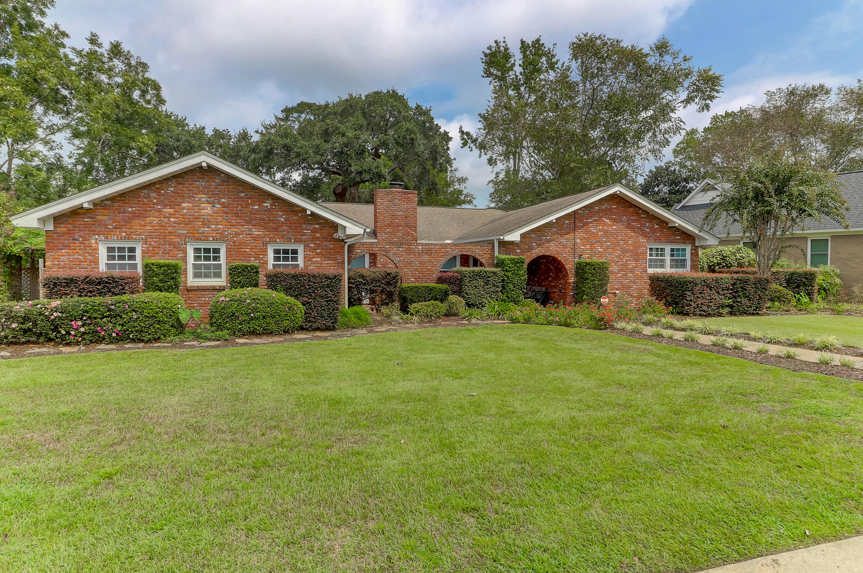 1282 S Barksdale Road Mount Pleasant, SC 29464
