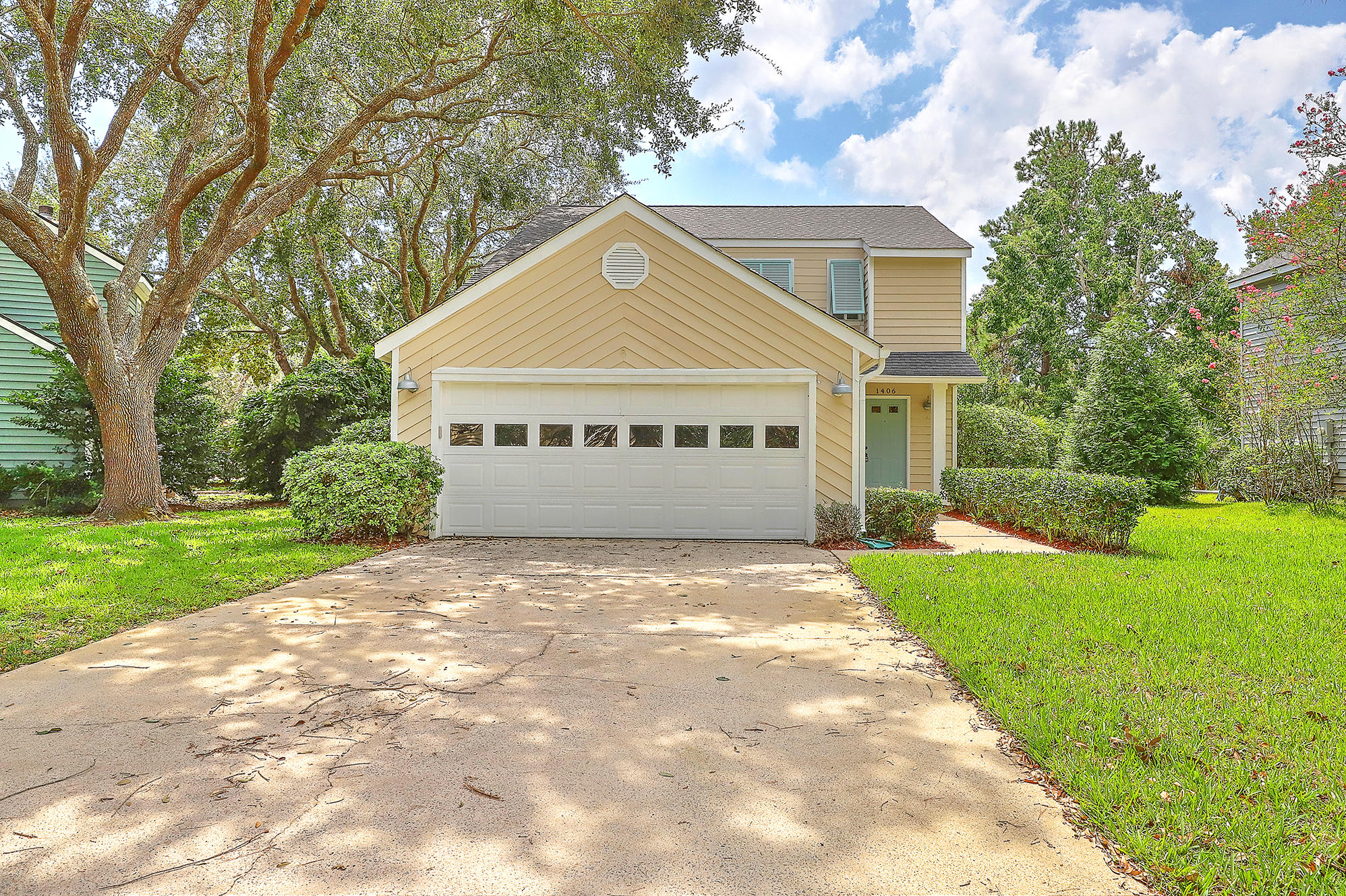 1406 Oaklanding Road Mount Pleasant, SC 29464