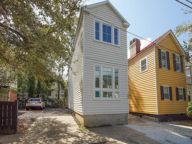 59 Radcliffe Street Charleston, SC 29403