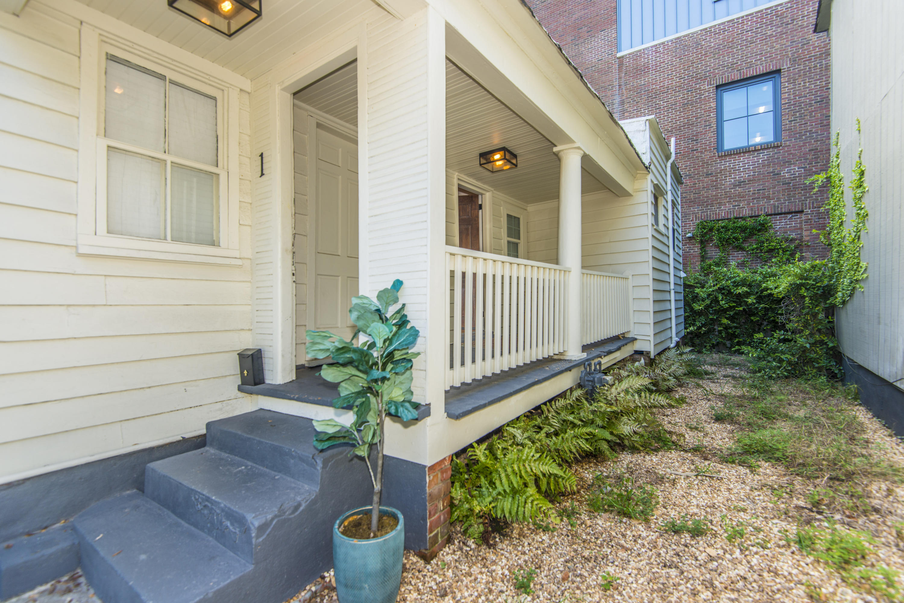 1 Harlem Court Charleston, SC 29403