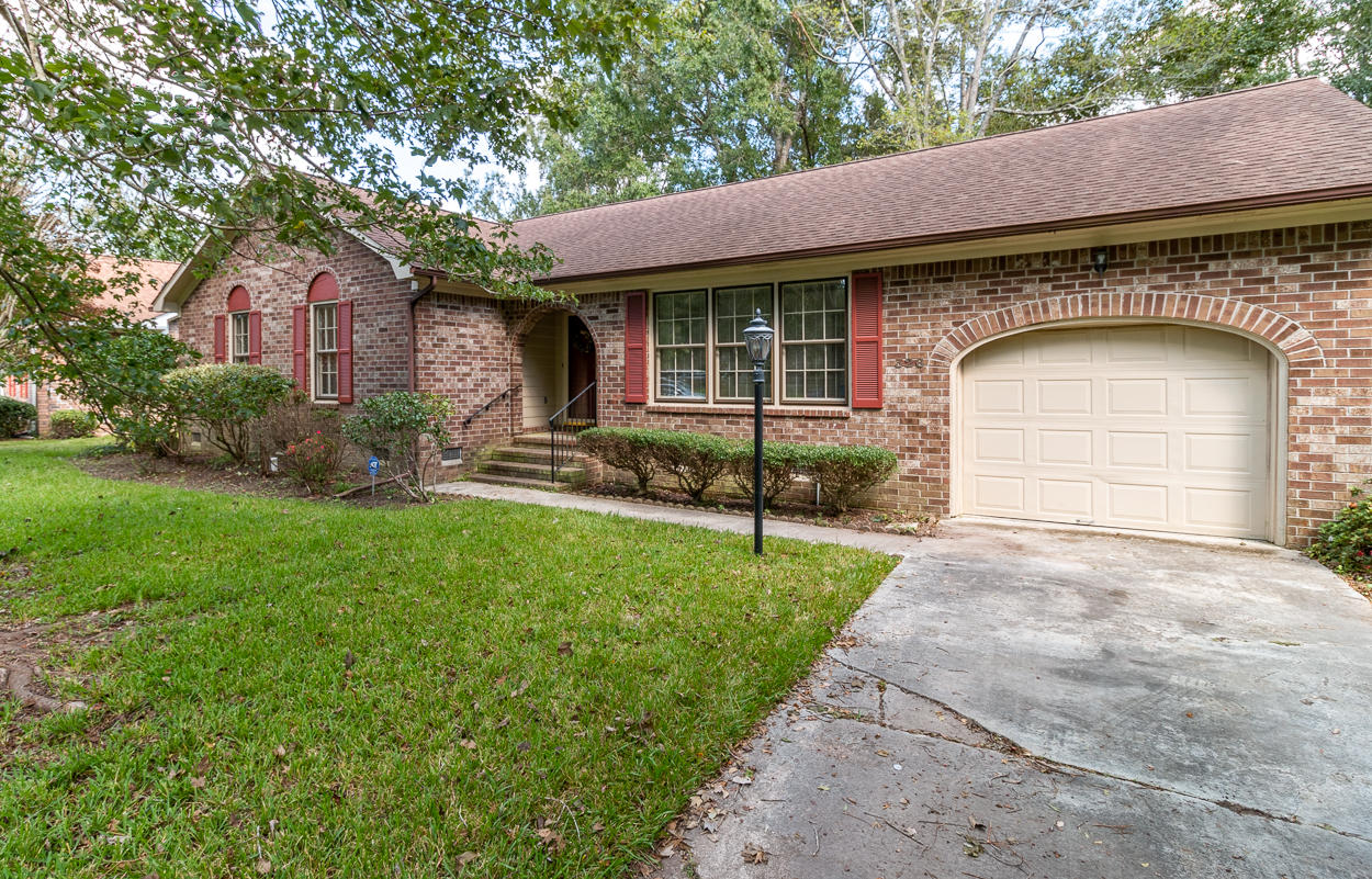 326 Chessington Circle Summerville, SC 29485