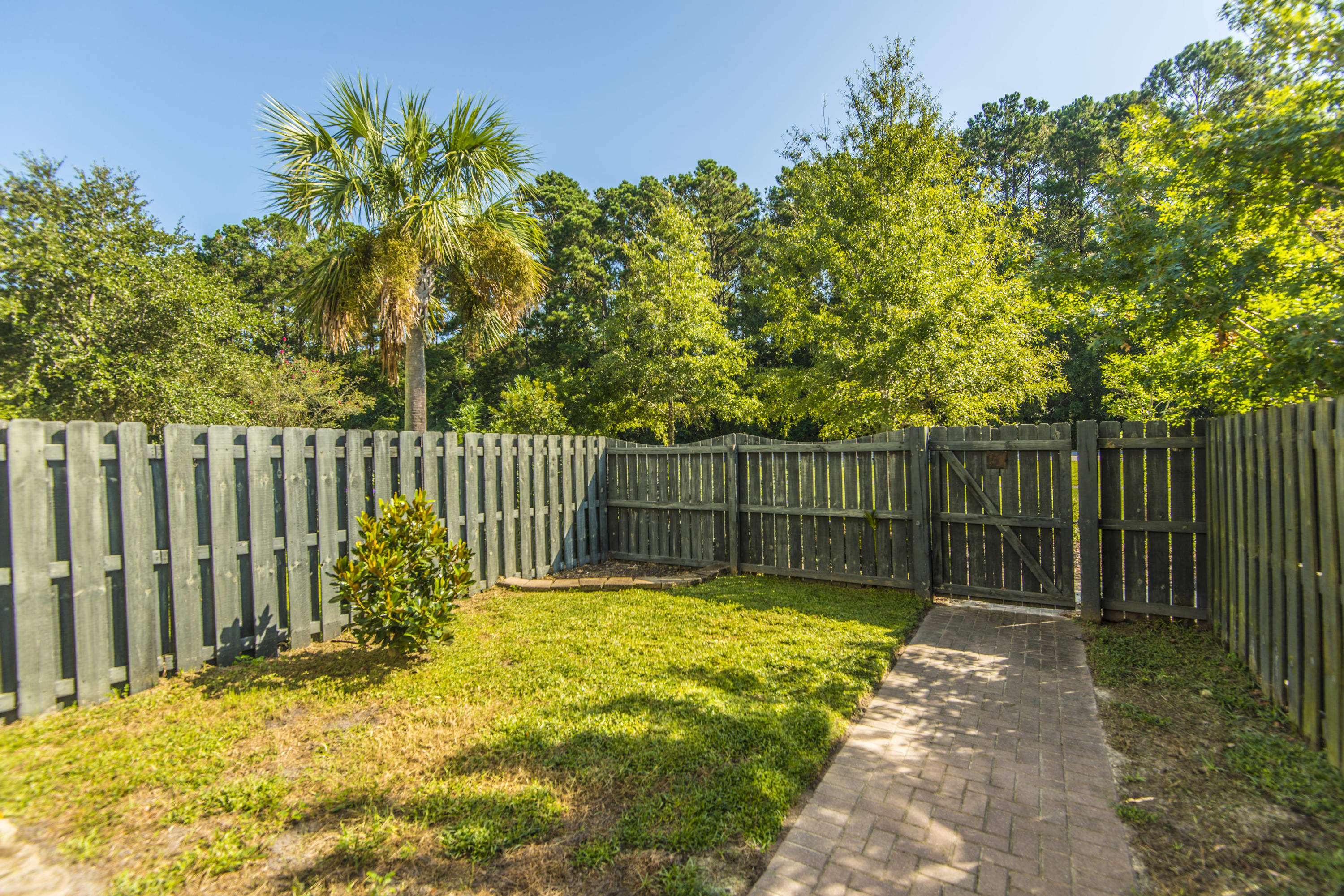 3025 Park West Boulevard Mount Pleasant, SC 29466