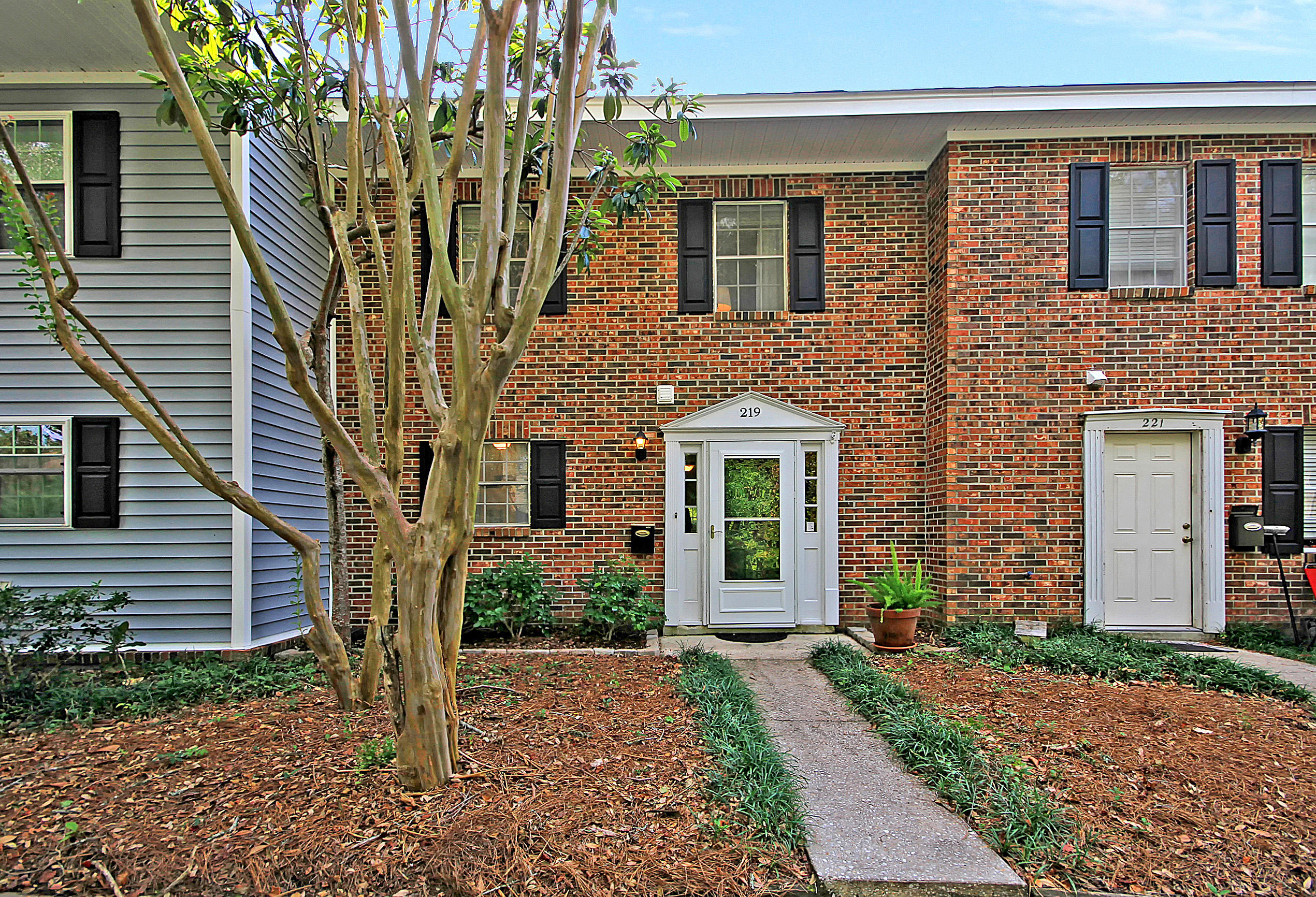 219 Heritage Circle Mount Pleasant, SC 29464