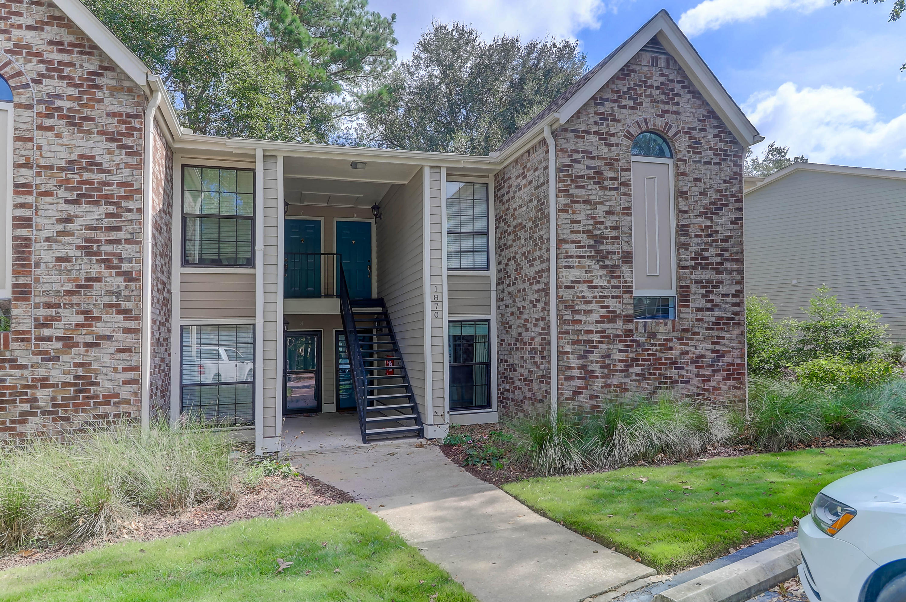 1870 Montclair Drive Mount Pleasant, SC 29464
