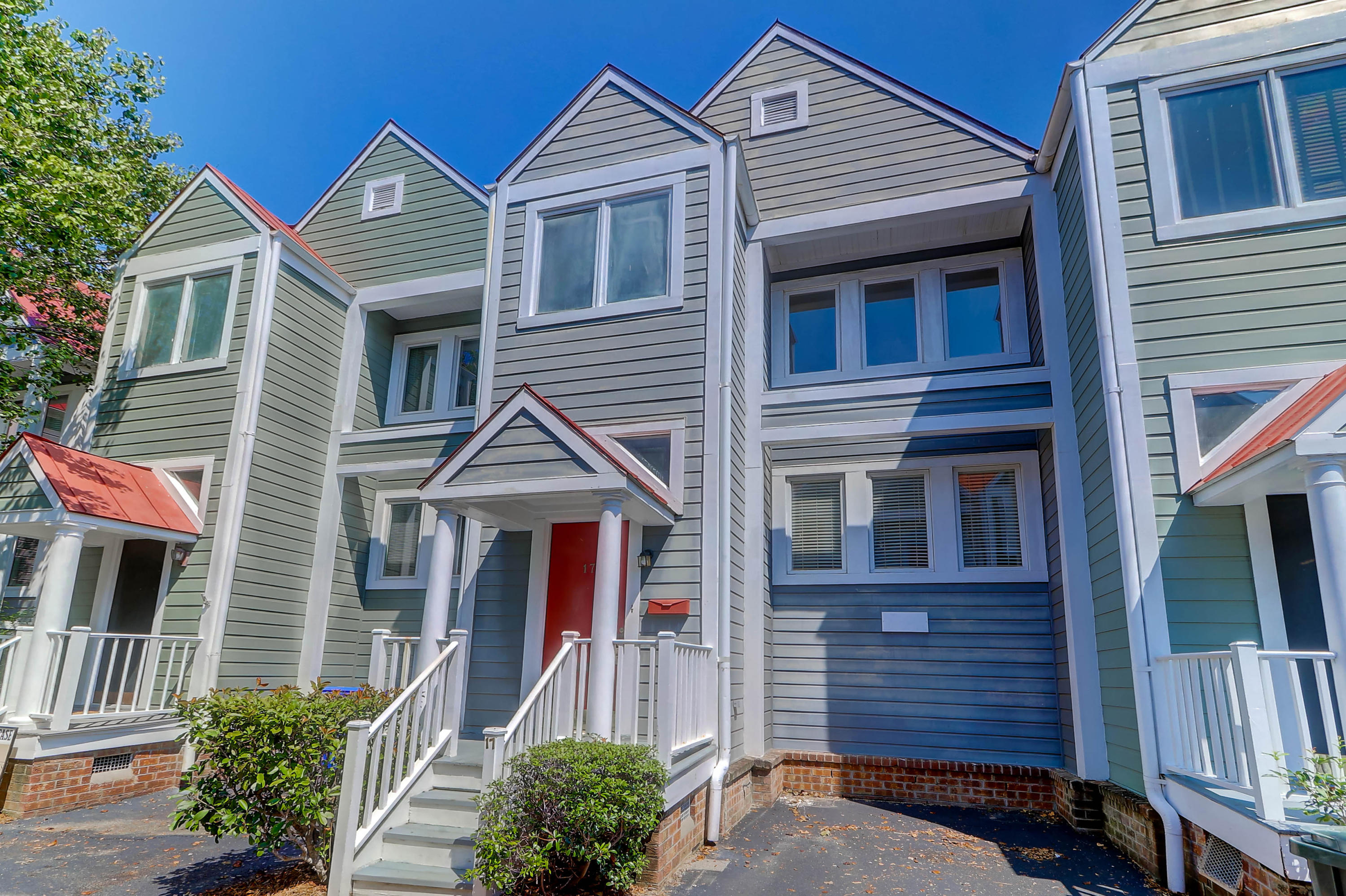 17 Ascot Alley Charleston, SC 29401