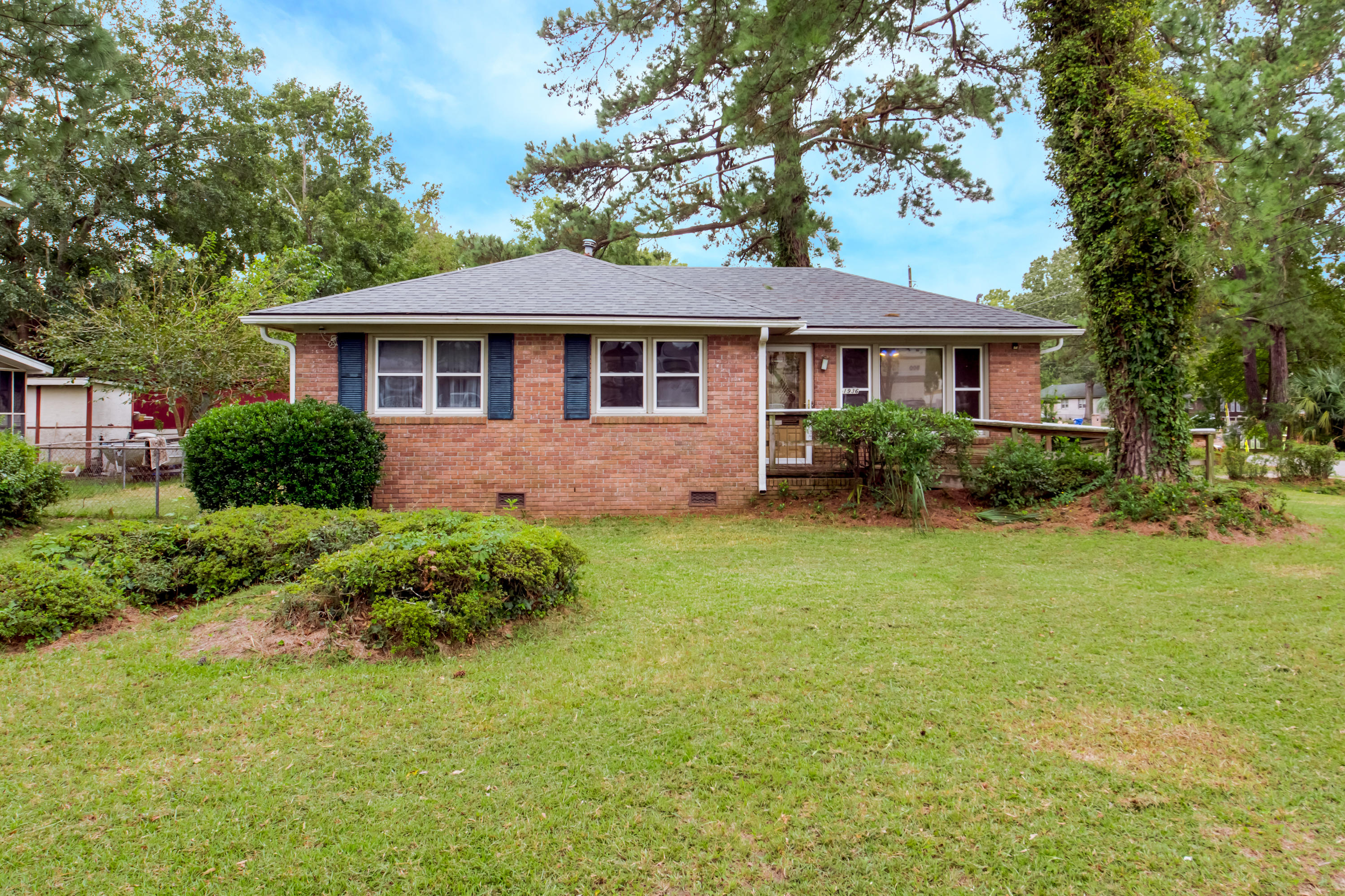 1936 Savage Road Charleston, SC 29407