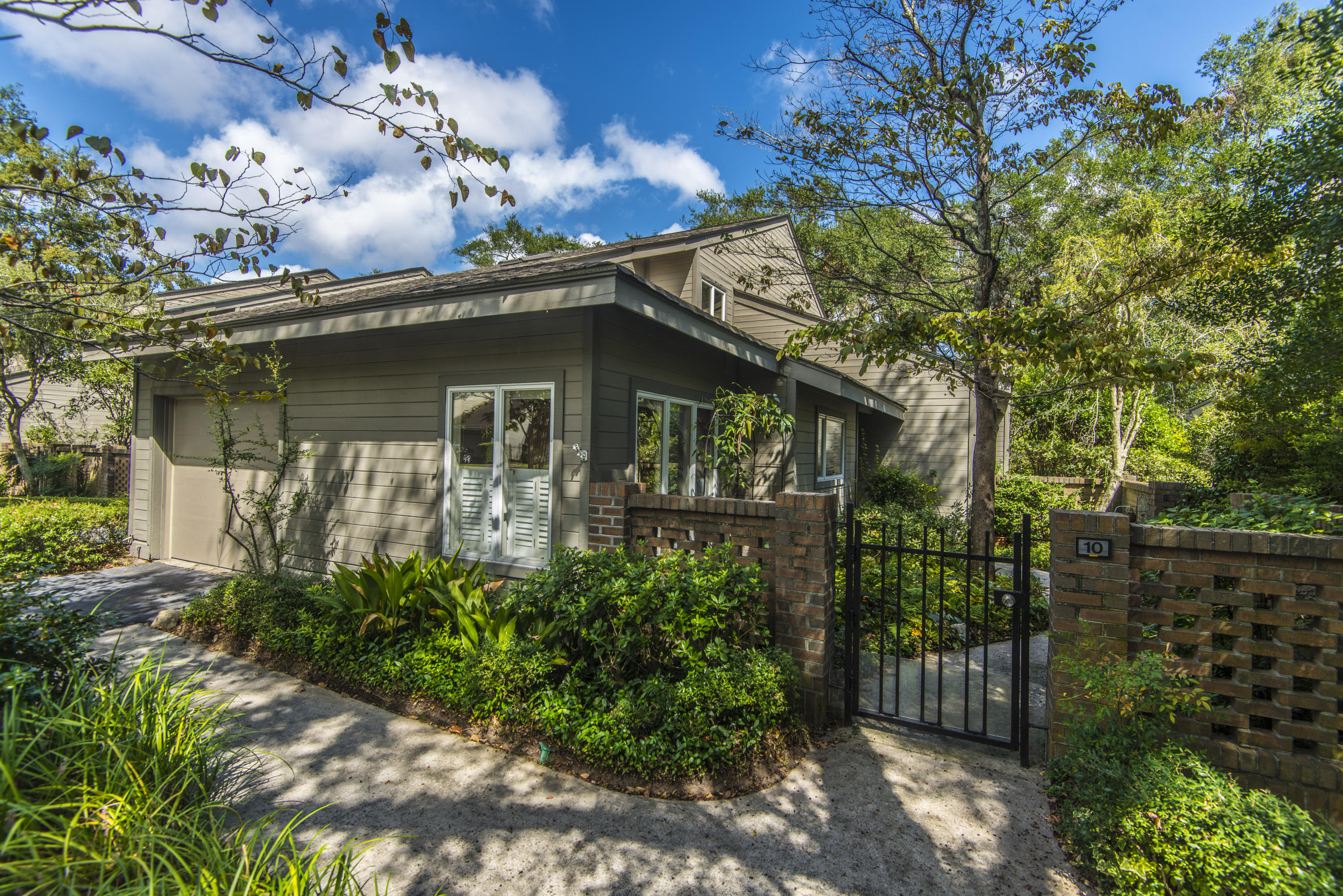 10 Wappoo Creek Place Charleston, SC 29412