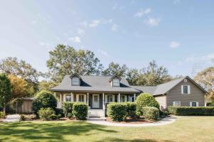 655 Serotina Court, Mount Pleasant, SC 29464
