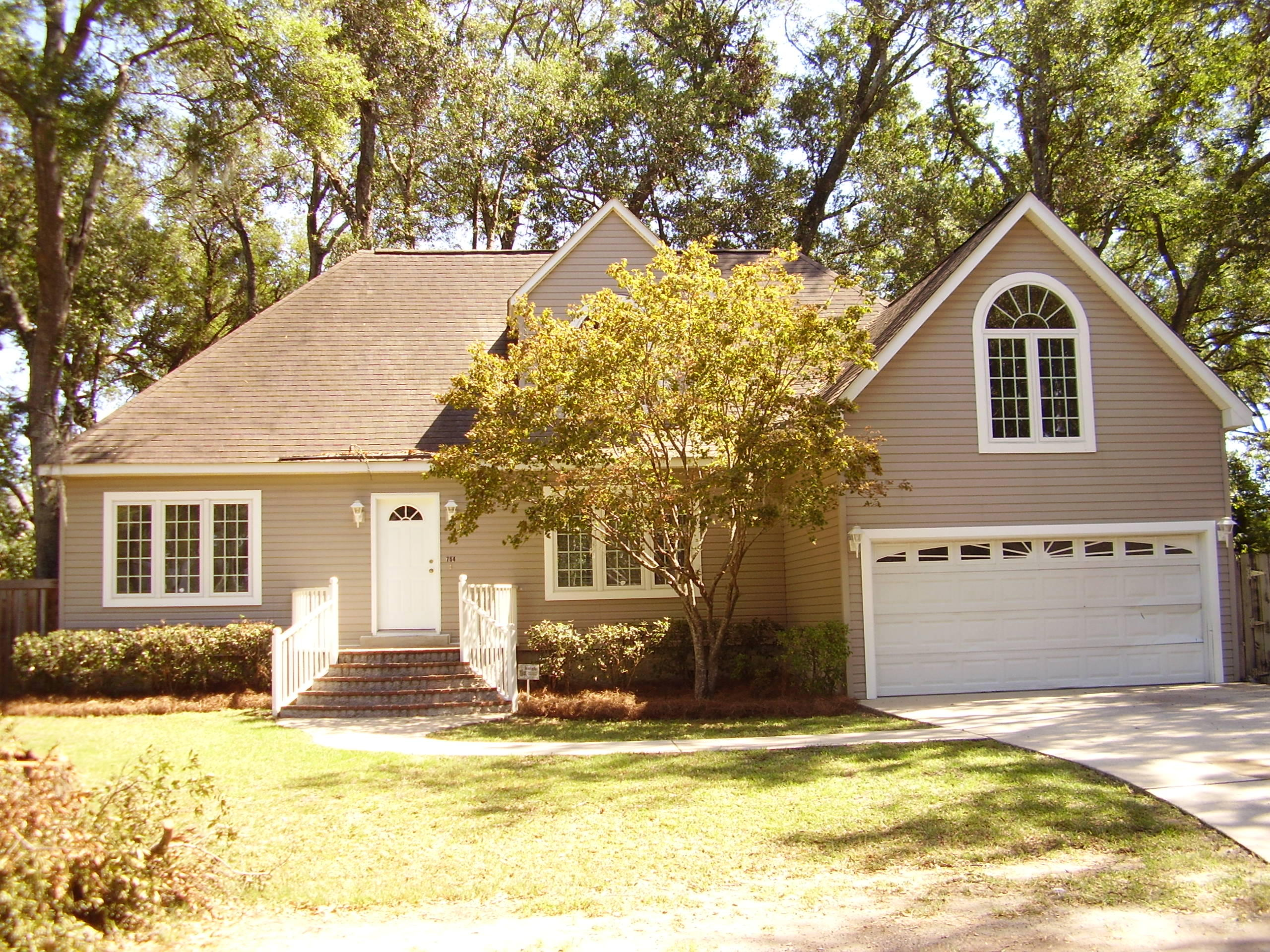 764 Sterling Drive Charleston, SC 29412