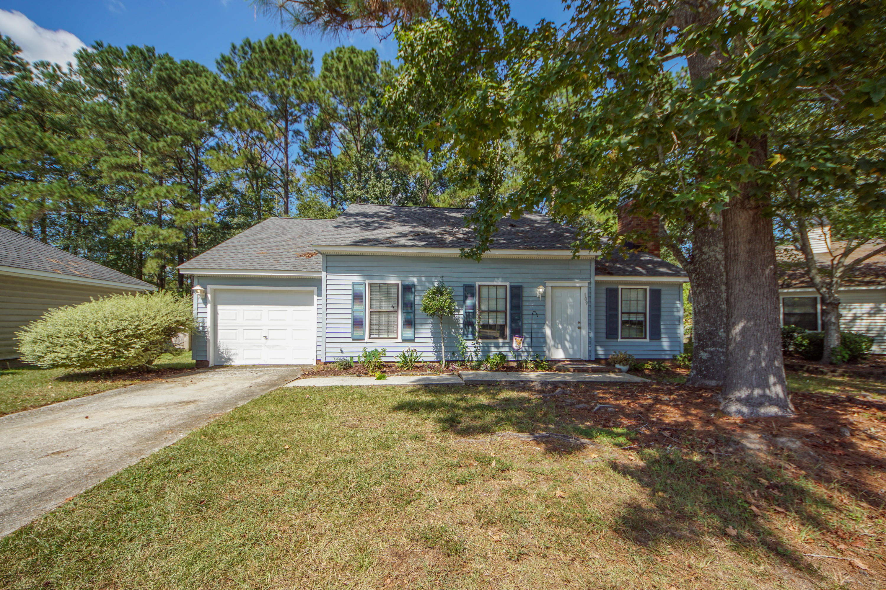 109 Church Place Goose Creek, SC 29445