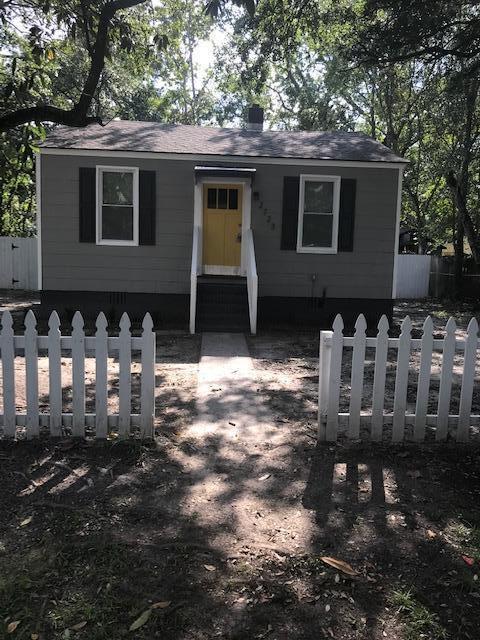 2723 Saratoga Drive North Charleston, SC 29418