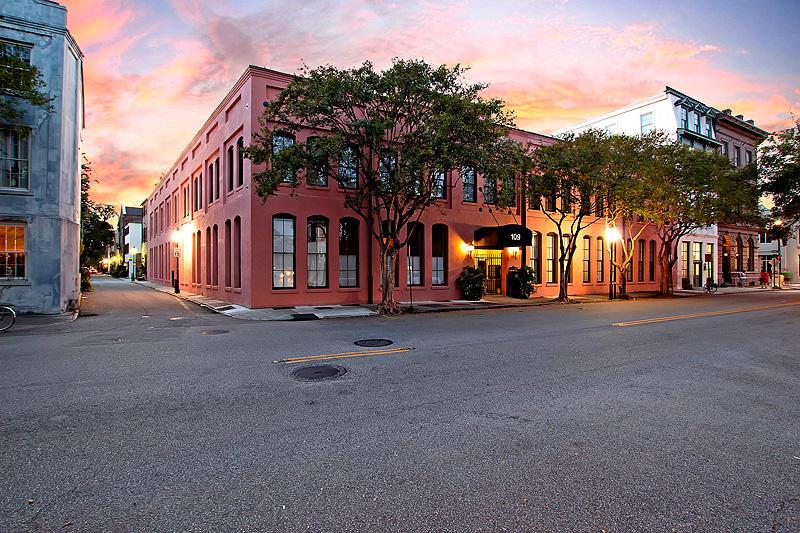 109 E 1e Bay Street Charleston, SC 29401