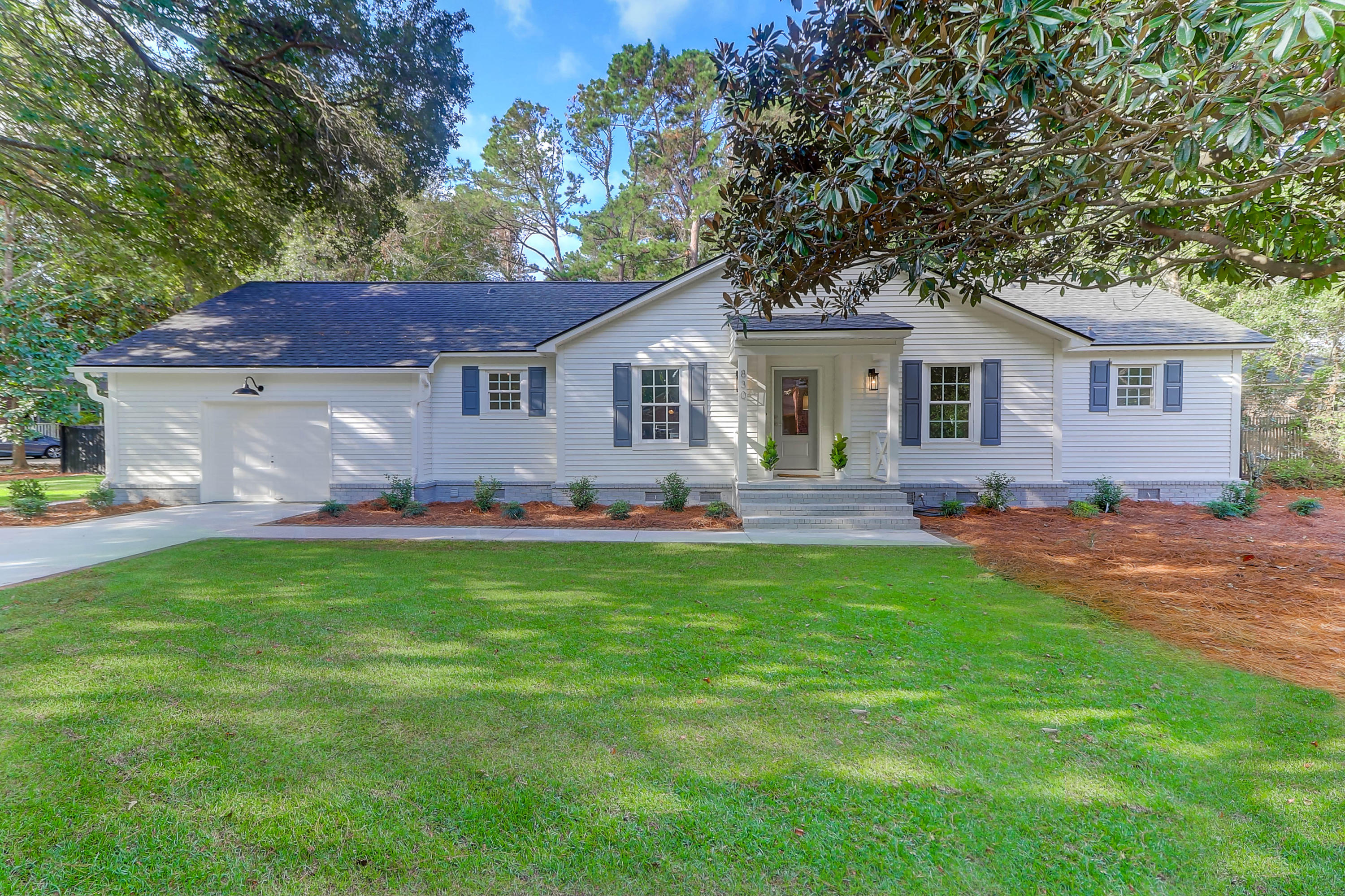 830 Law Lane Mount Pleasant, SC 29464