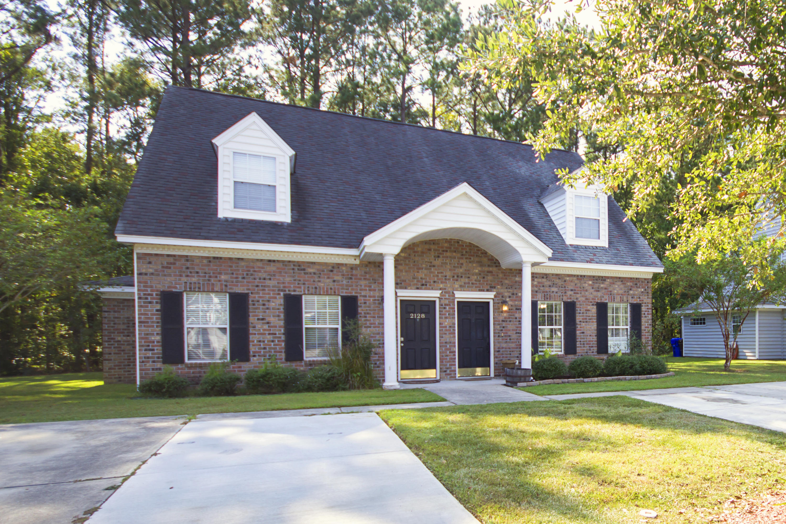 2132 Kings Gate Lane Mount Pleasant, SC 29466
