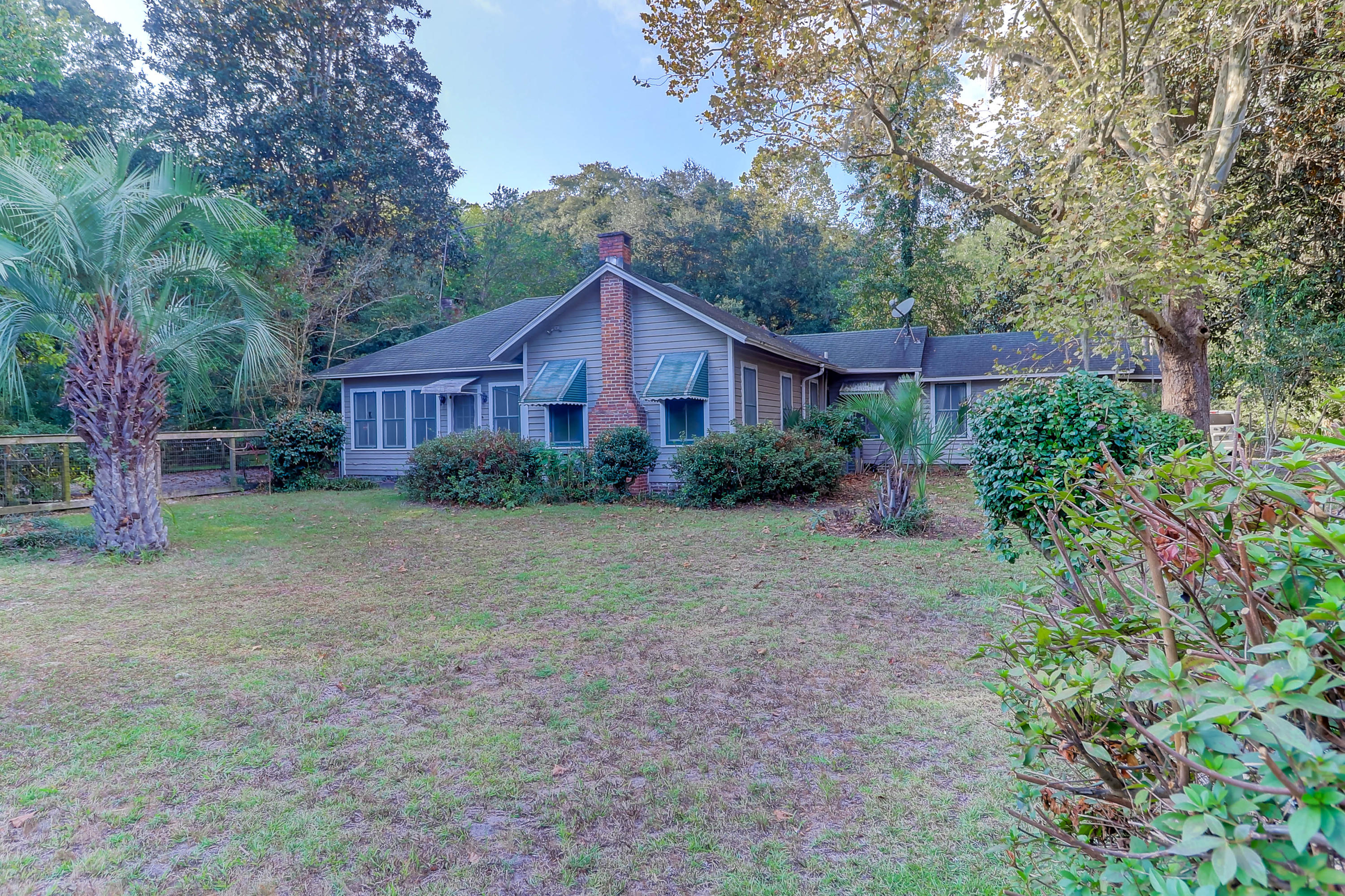7238 Highway 162 Hollywood, SC 29449