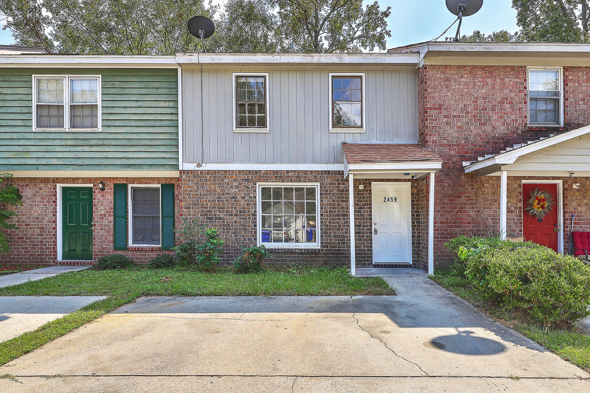 2459 Realm Street North Charleston, SC 29406