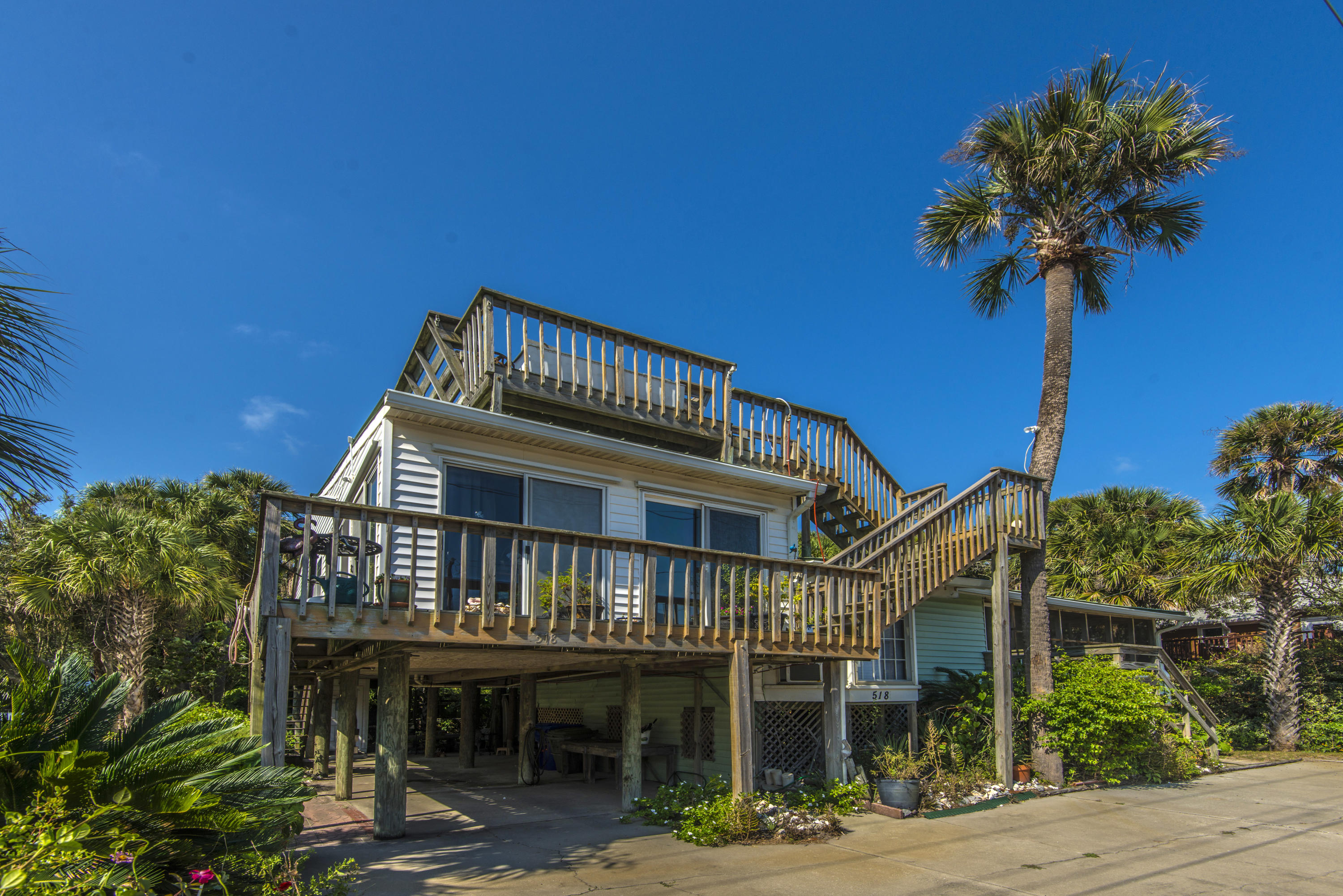 518 E Arctic Avenue Folly Beach, SC 29439