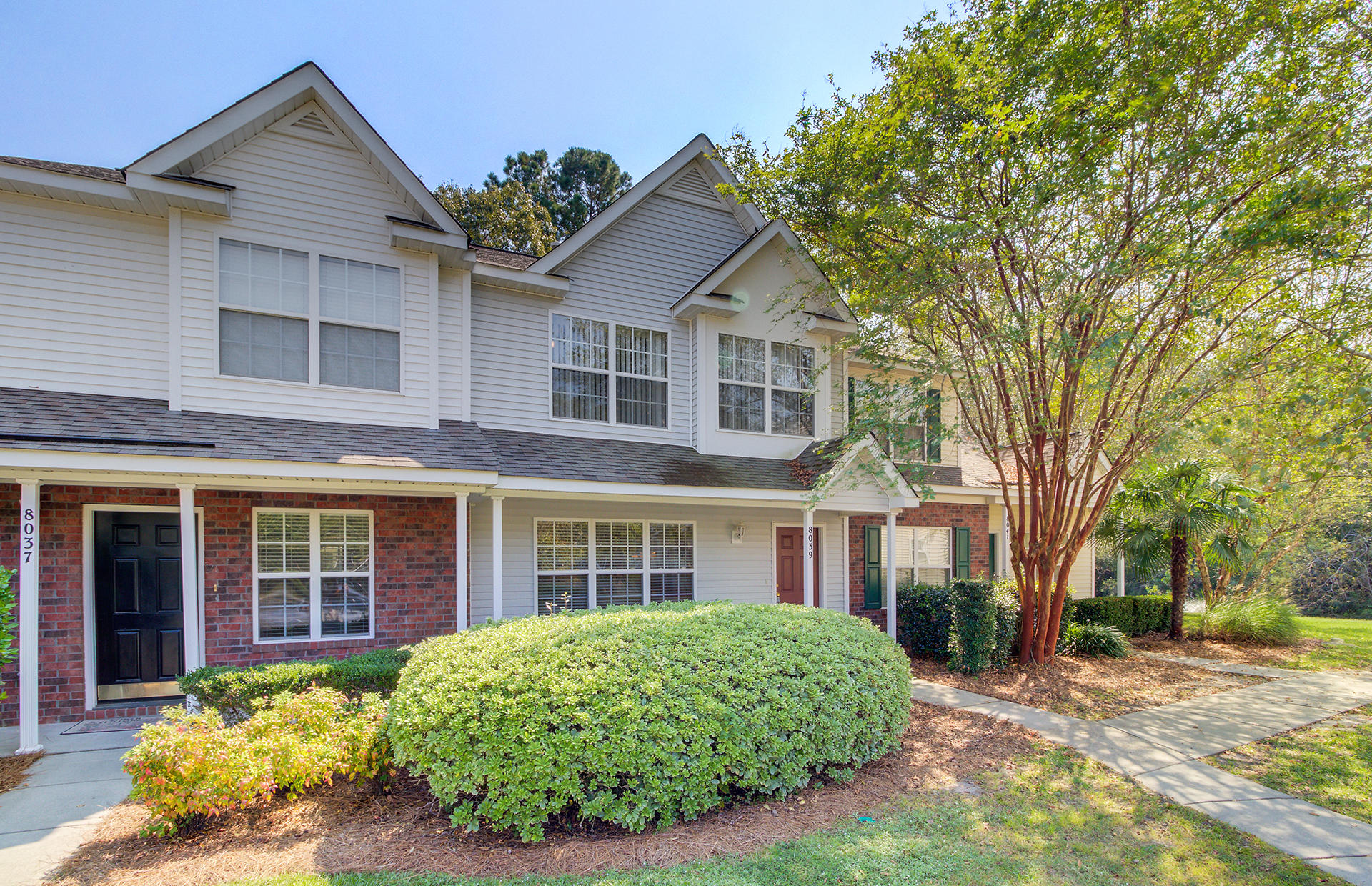 8039 Shadow Oak Drive North Charleston, SC 29406