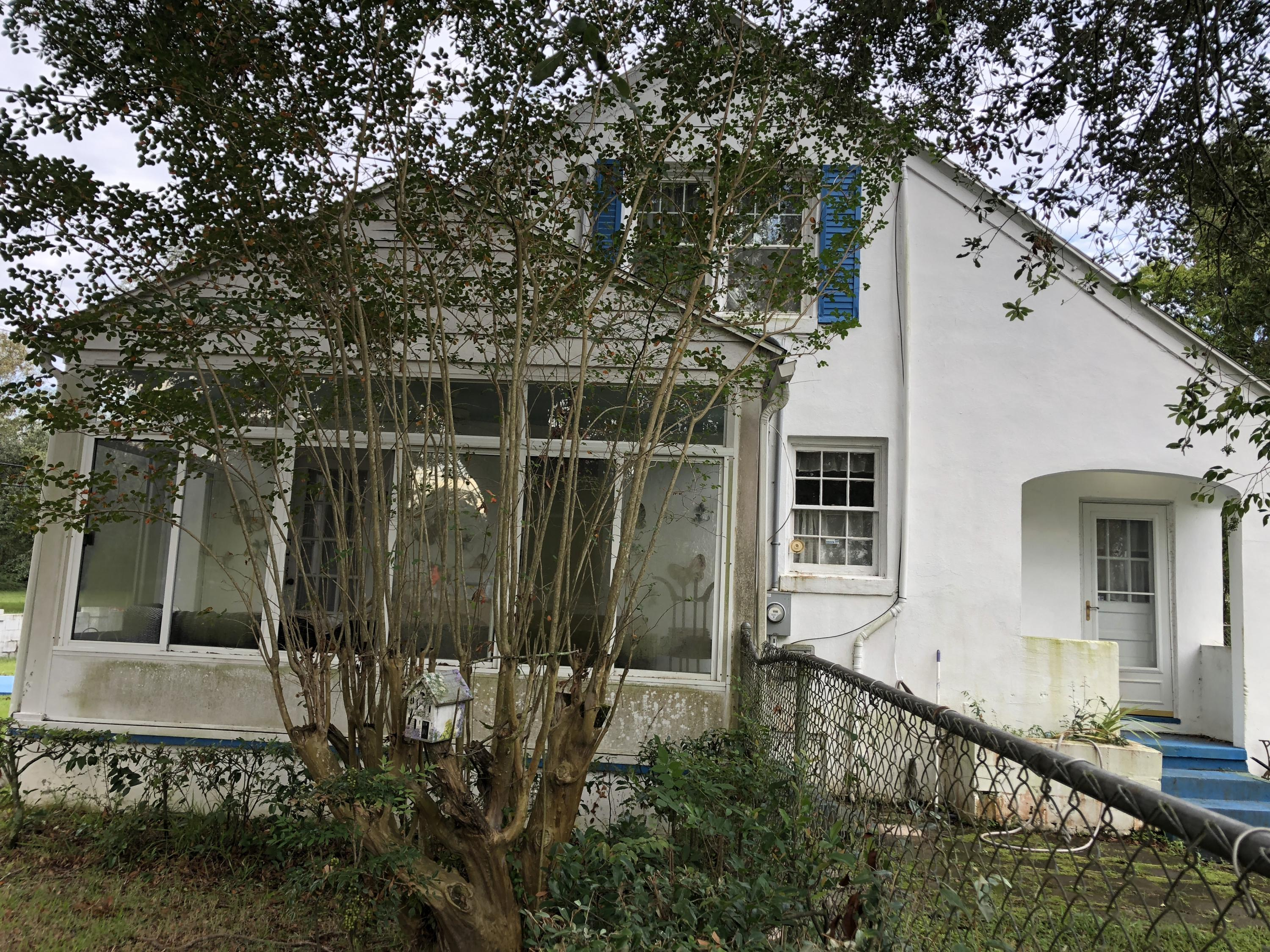1132 5TH Avenue Charleston, SC 29407