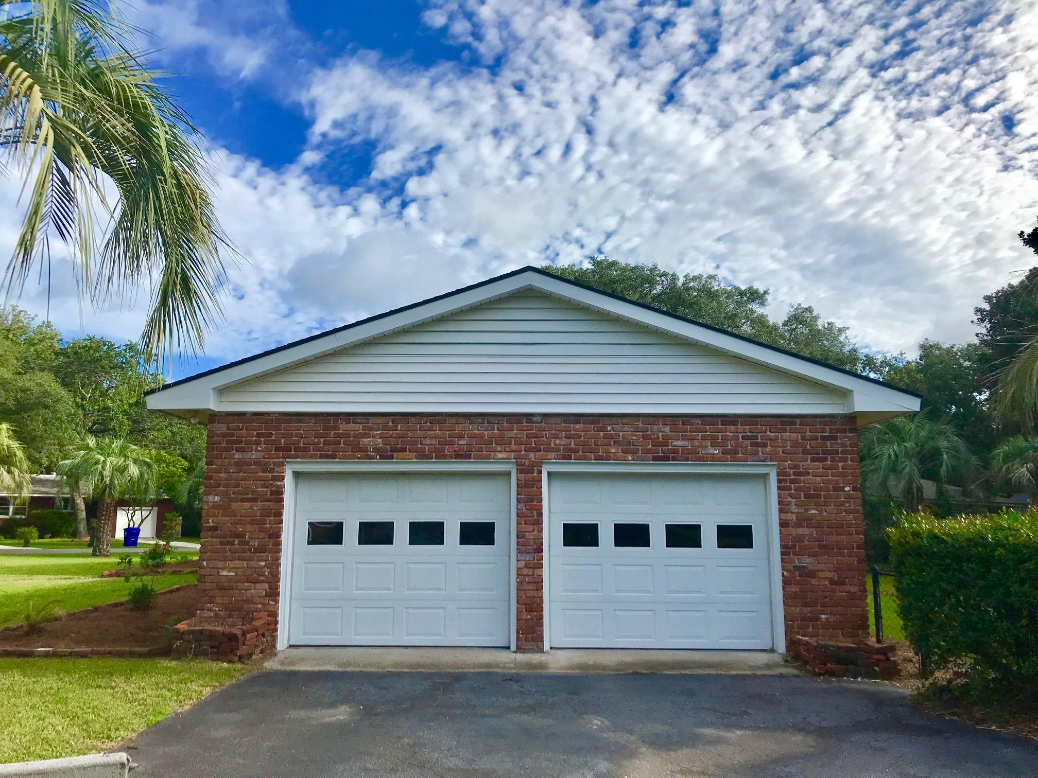 1118 Woodhaven Drive Charleston, SC 29407
