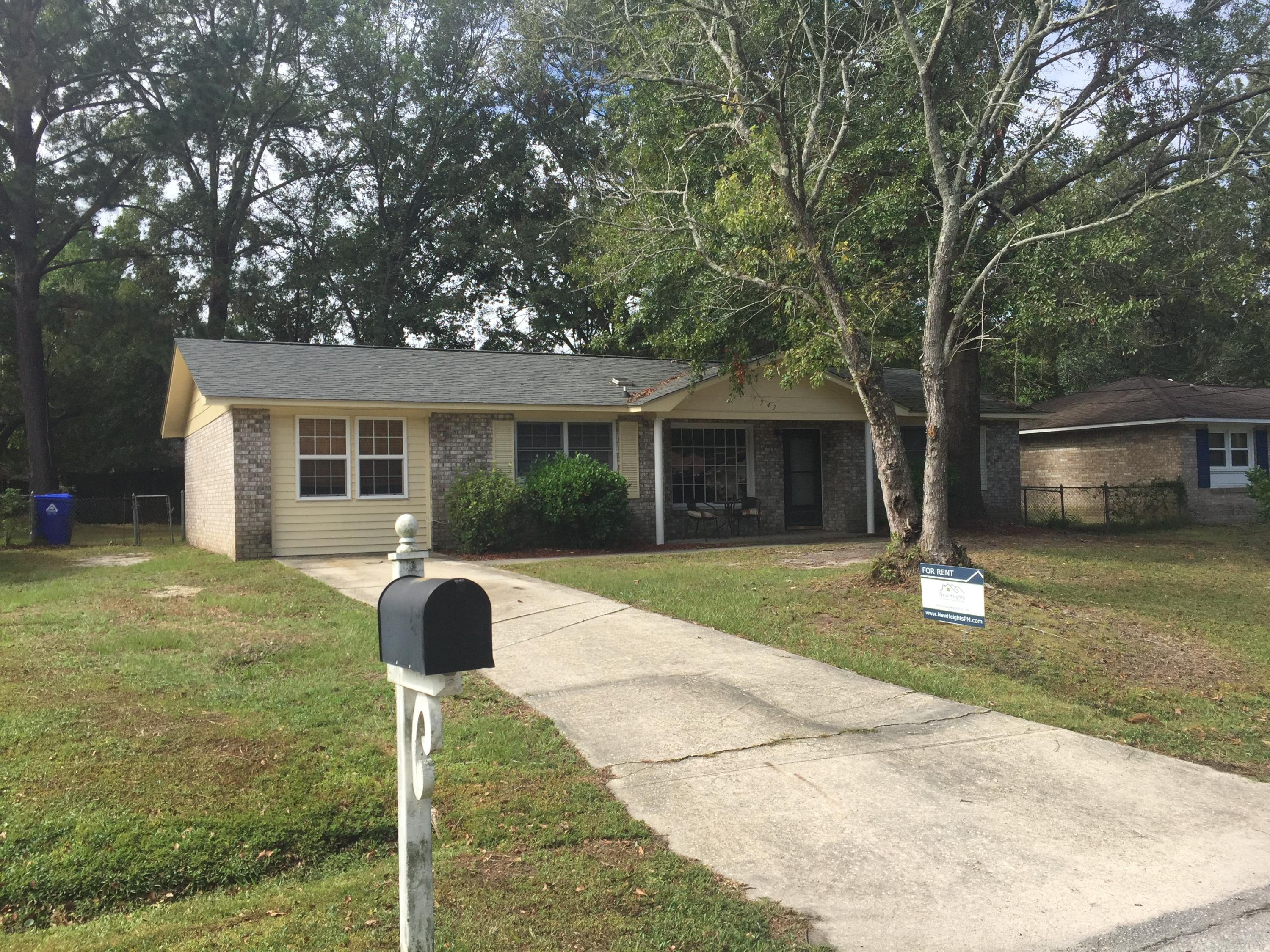 7743 Jadewood Drive North Charleston, SC 29418