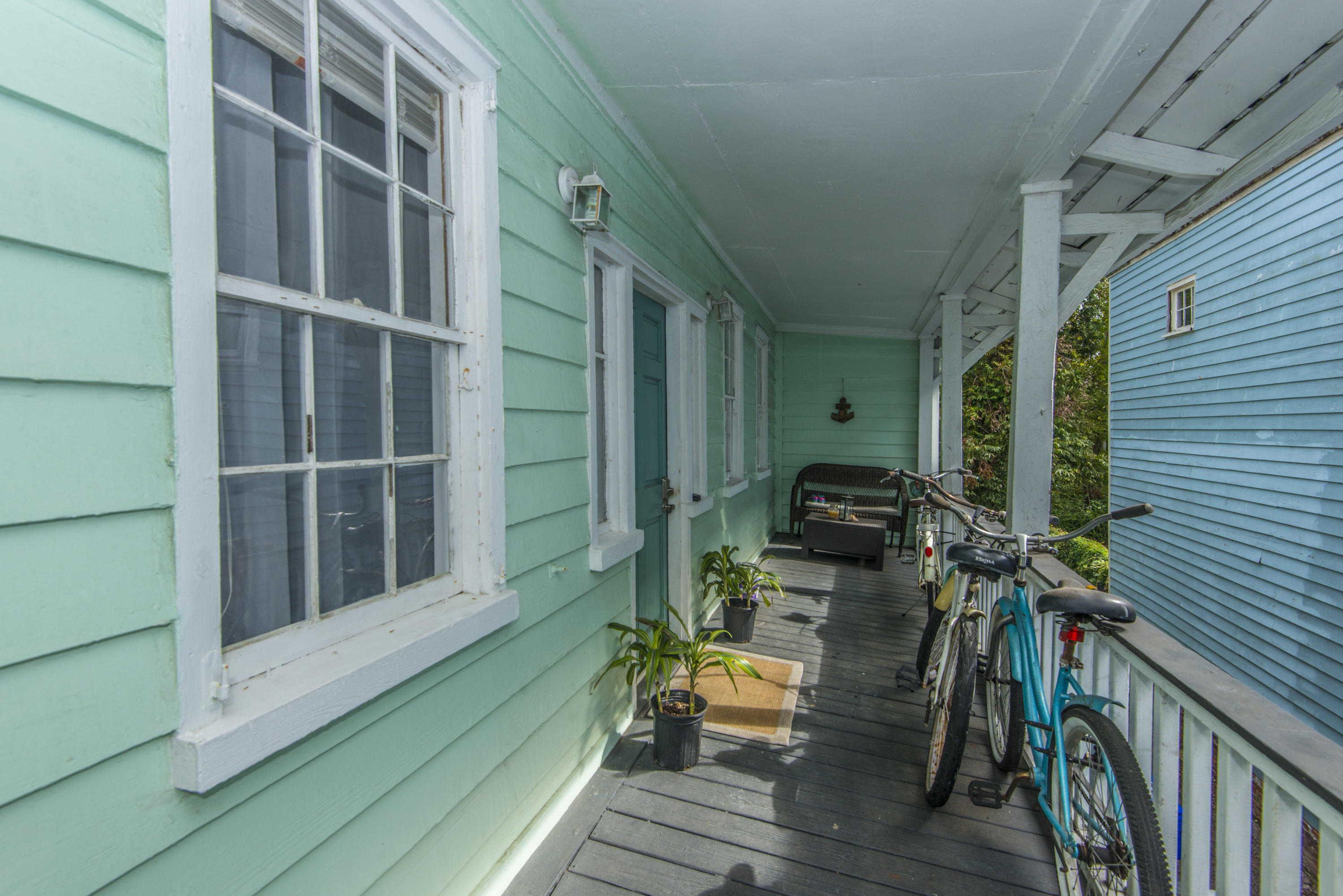 296 Ashley Avenue Charleston, SC 29403
