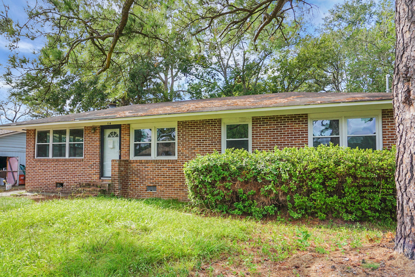 114 Owens Circle Summerville, SC 29483