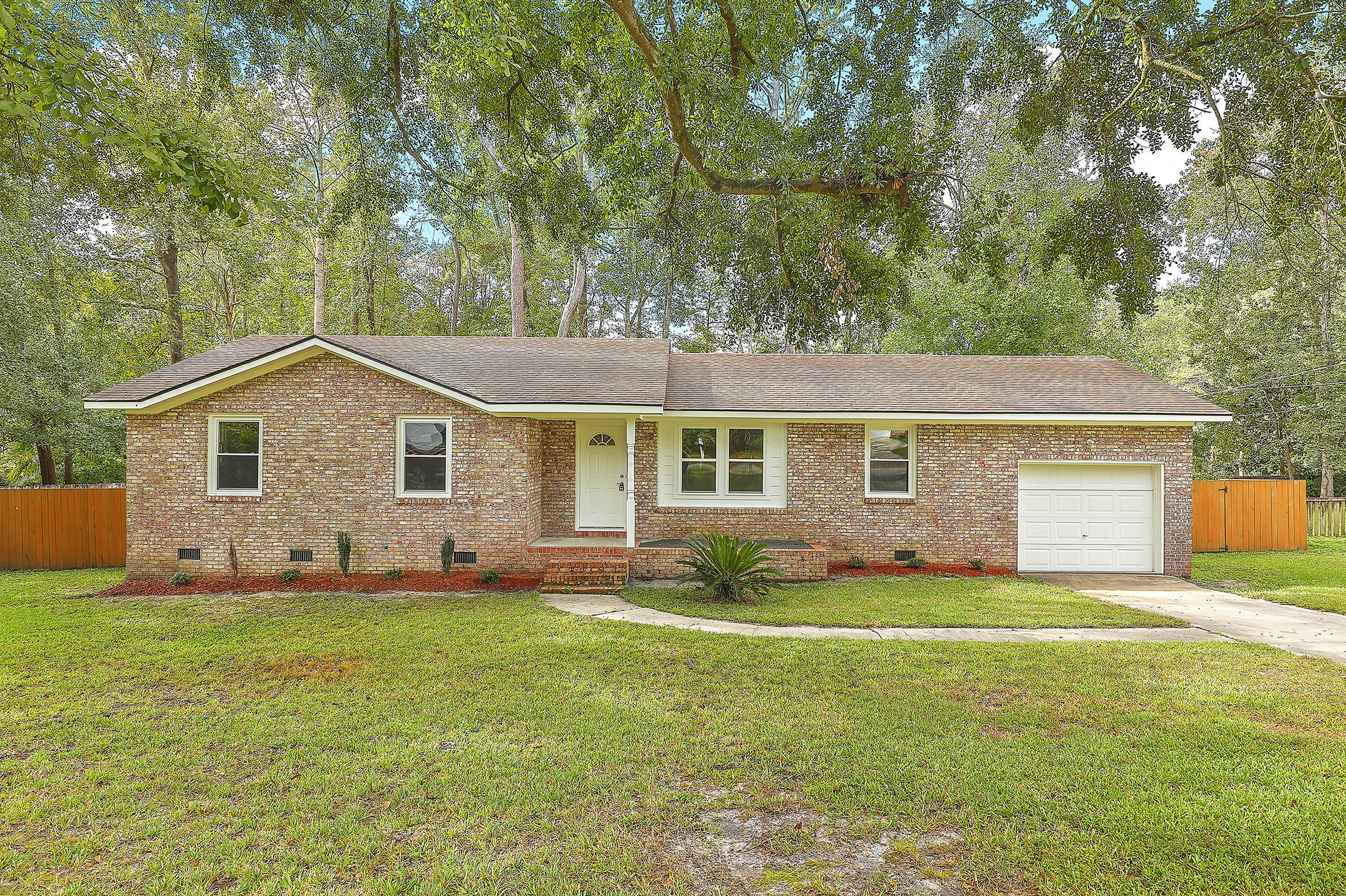206 Live Oak Road Summerville, SC 29485