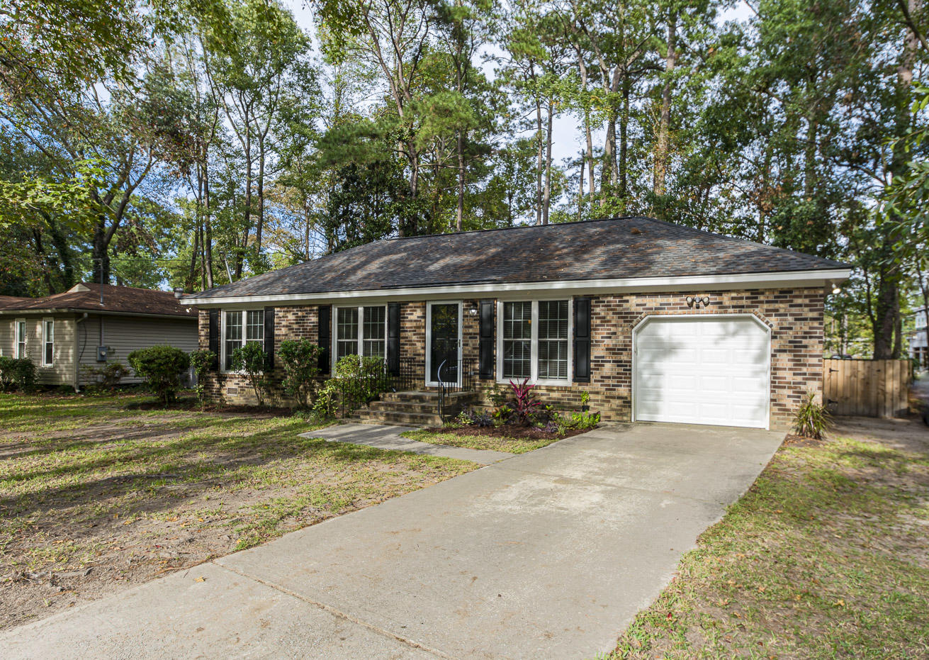 1962 Teakwood Road Charleston, SC 29414