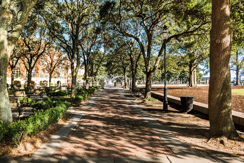 32 #200 Vendue Range Charleston, SC 29401