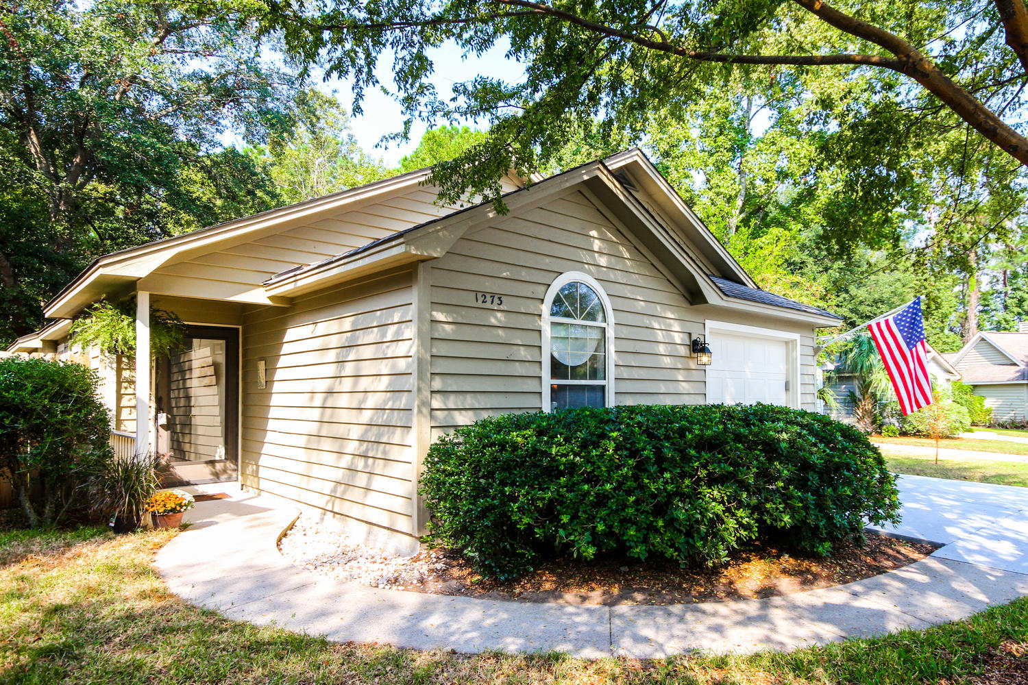 1273 Llewellyn Road Mount Pleasant, SC 29464